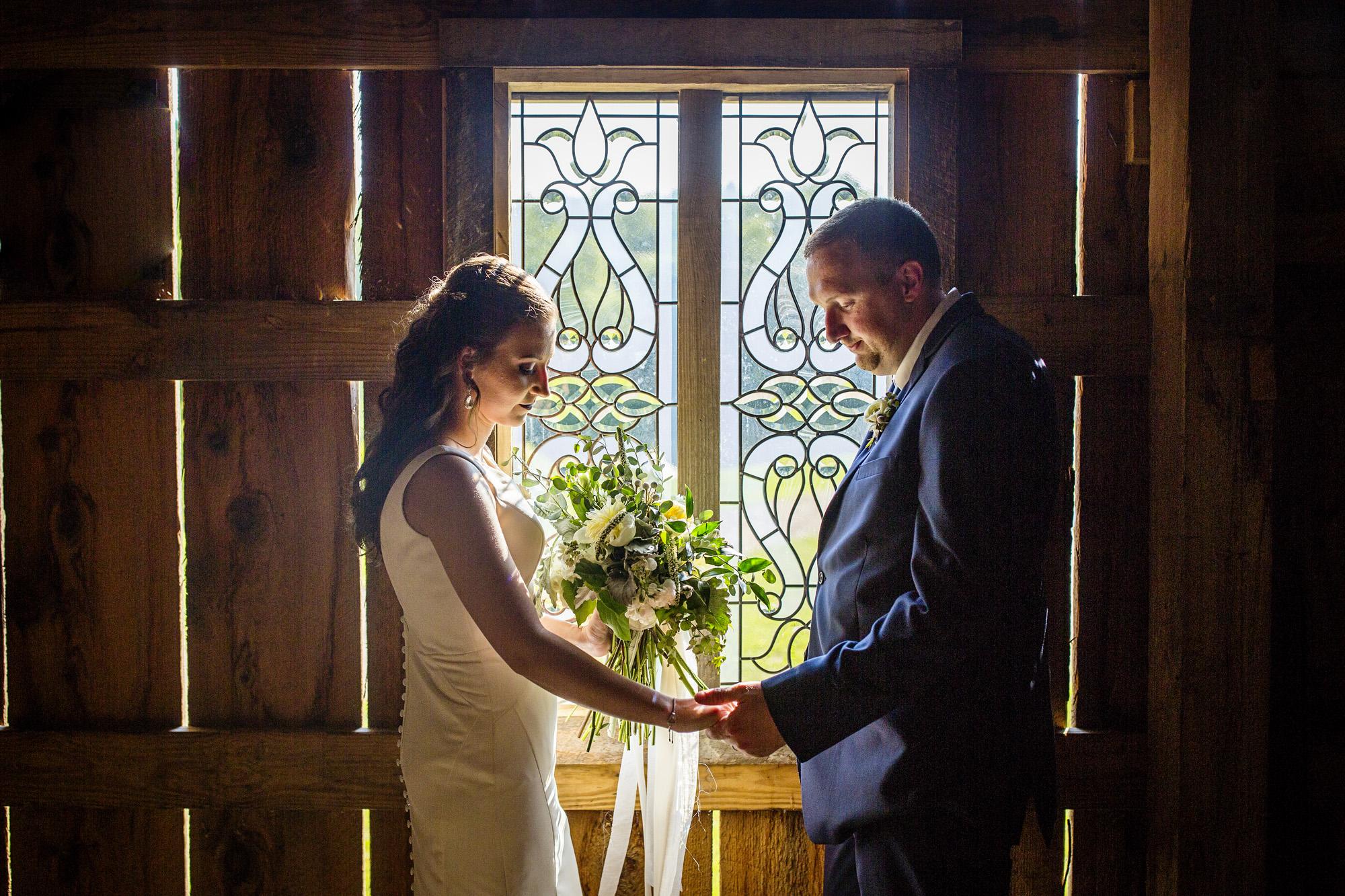Seriously_Sabrina_Photography_Red_River_Gorge_Wedding_Barn_Robinson74.jpg