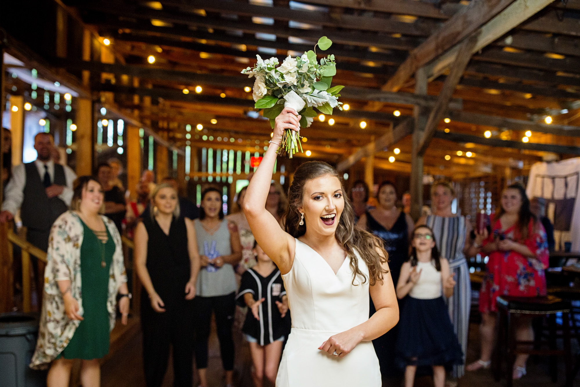 Seriously_Sabrina_Photography_Red_River_Gorge_Wedding_Barn_Robinson107.jpg