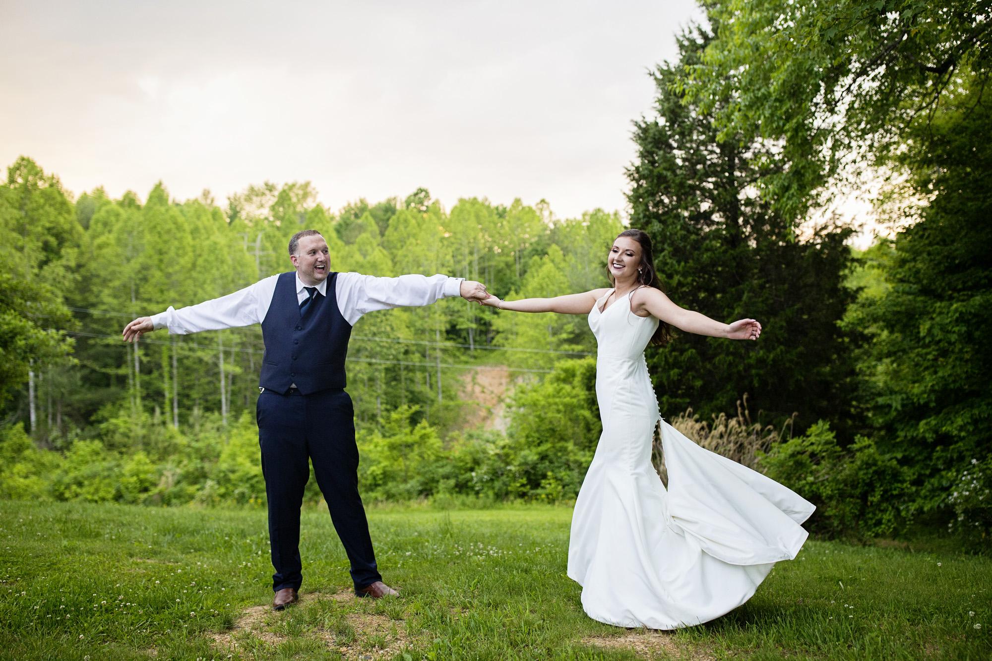 Seriously_Sabrina_Photography_Red_River_Gorge_Wedding_Barn_Robinson120.jpg