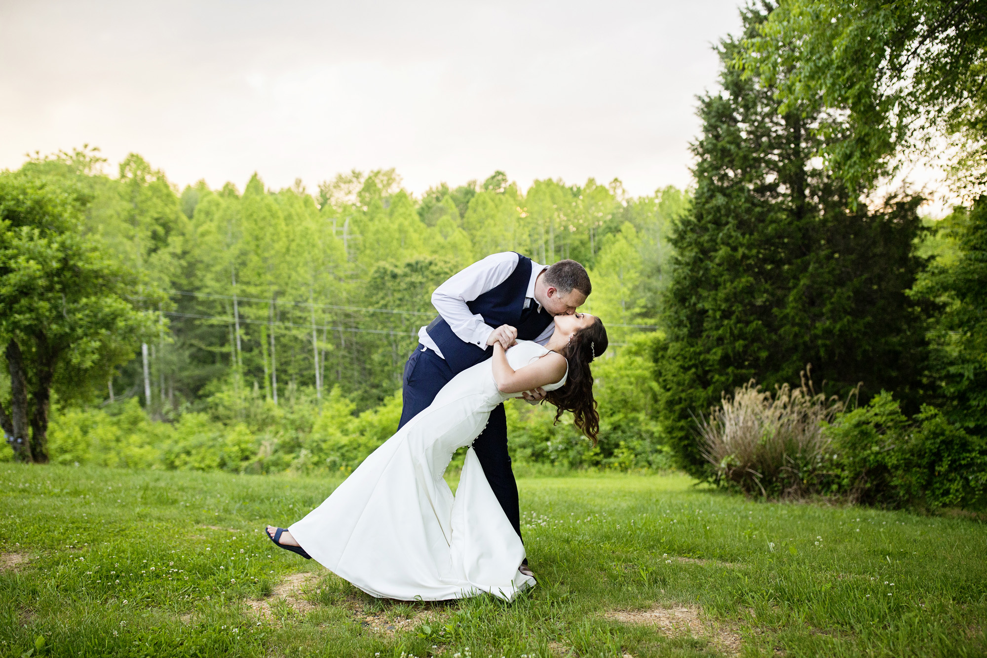 Seriously_Sabrina_Photography_Red_River_Gorge_Wedding_Barn_Robinson121.jpg