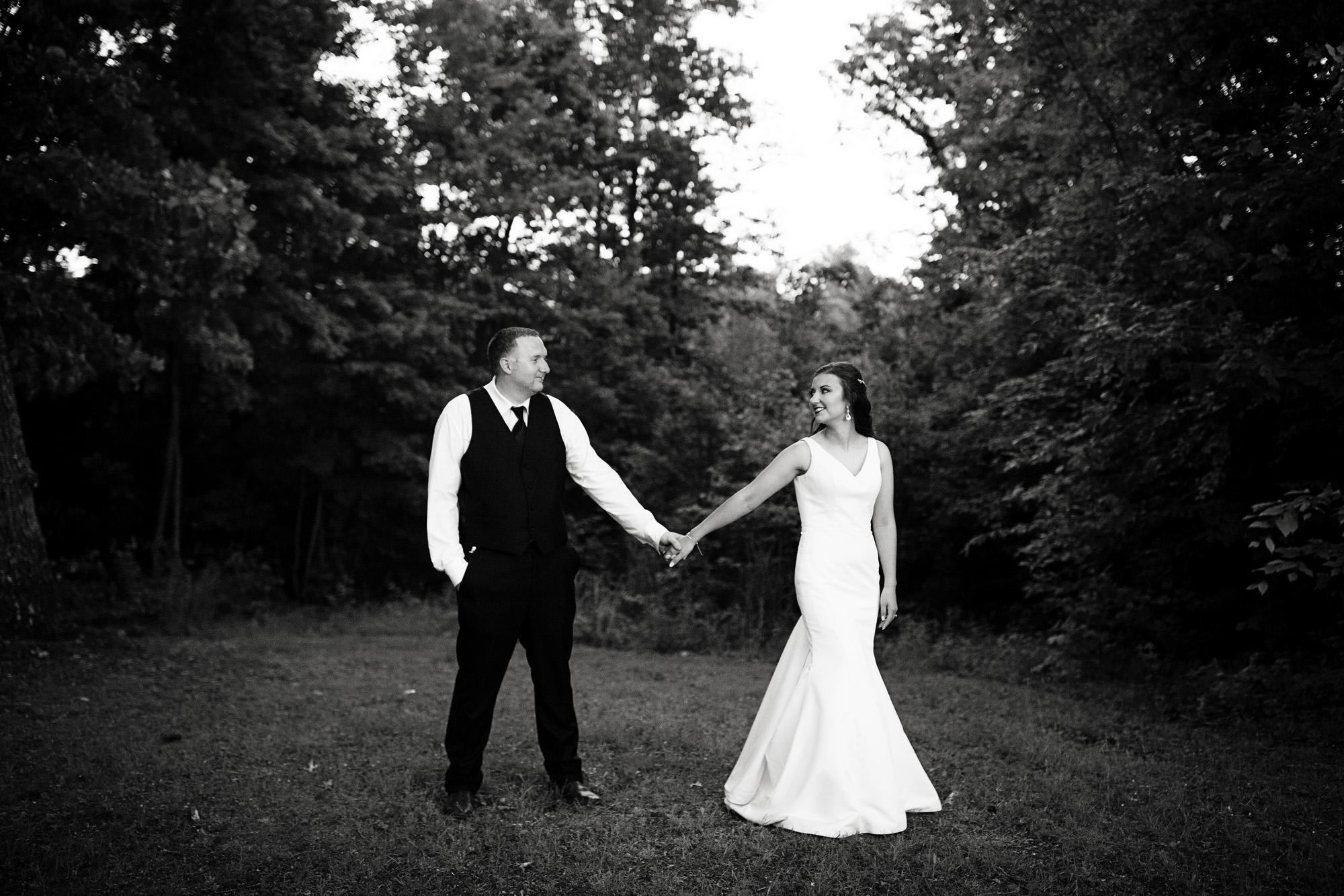 Seriously_Sabrina_Photography_Red_River_Gorge_Wedding_Barn_Robinson126.jpg