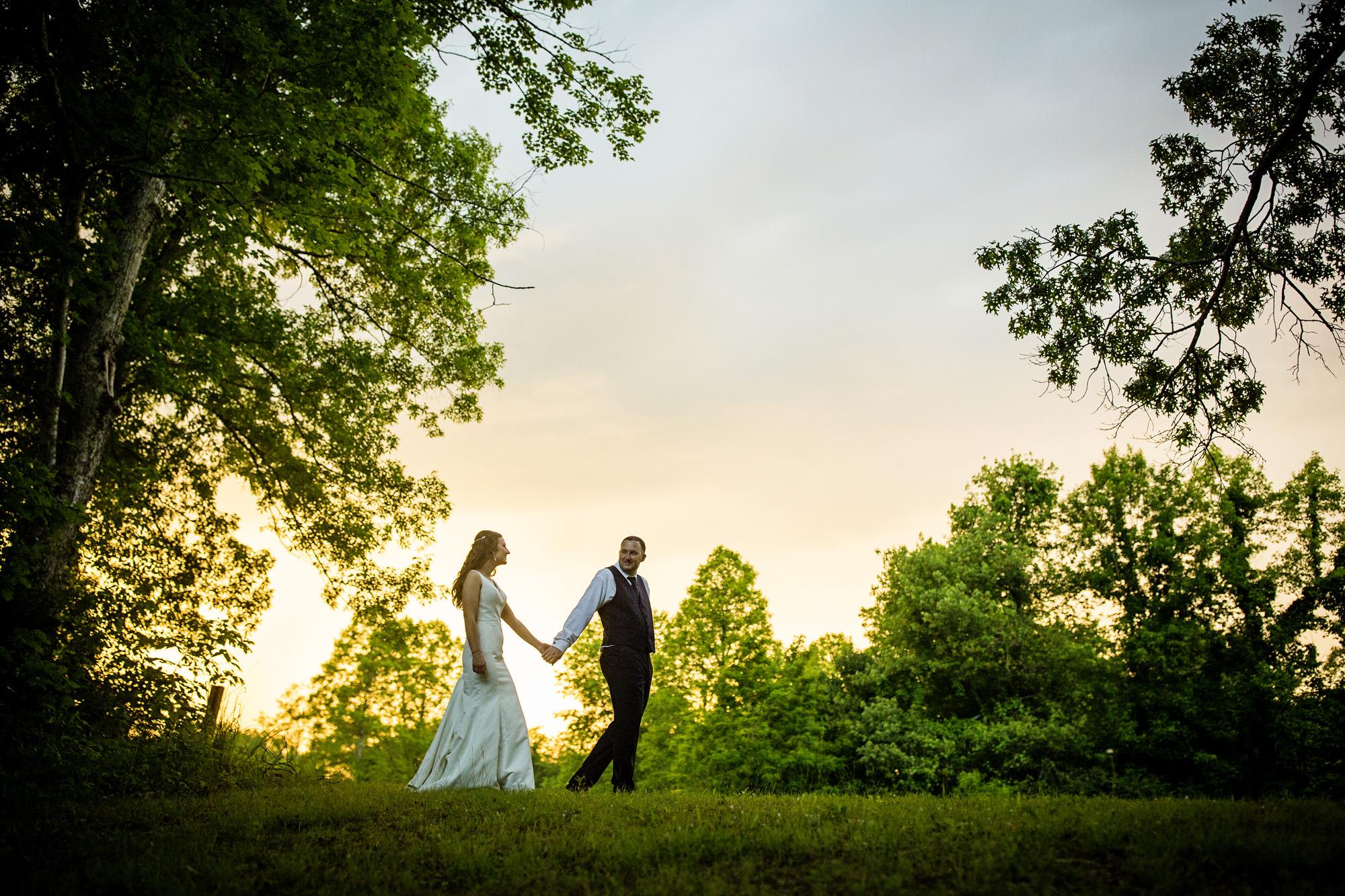 Seriously_Sabrina_Photography_Red_River_Gorge_Wedding_Barn_Robinson128.jpg
