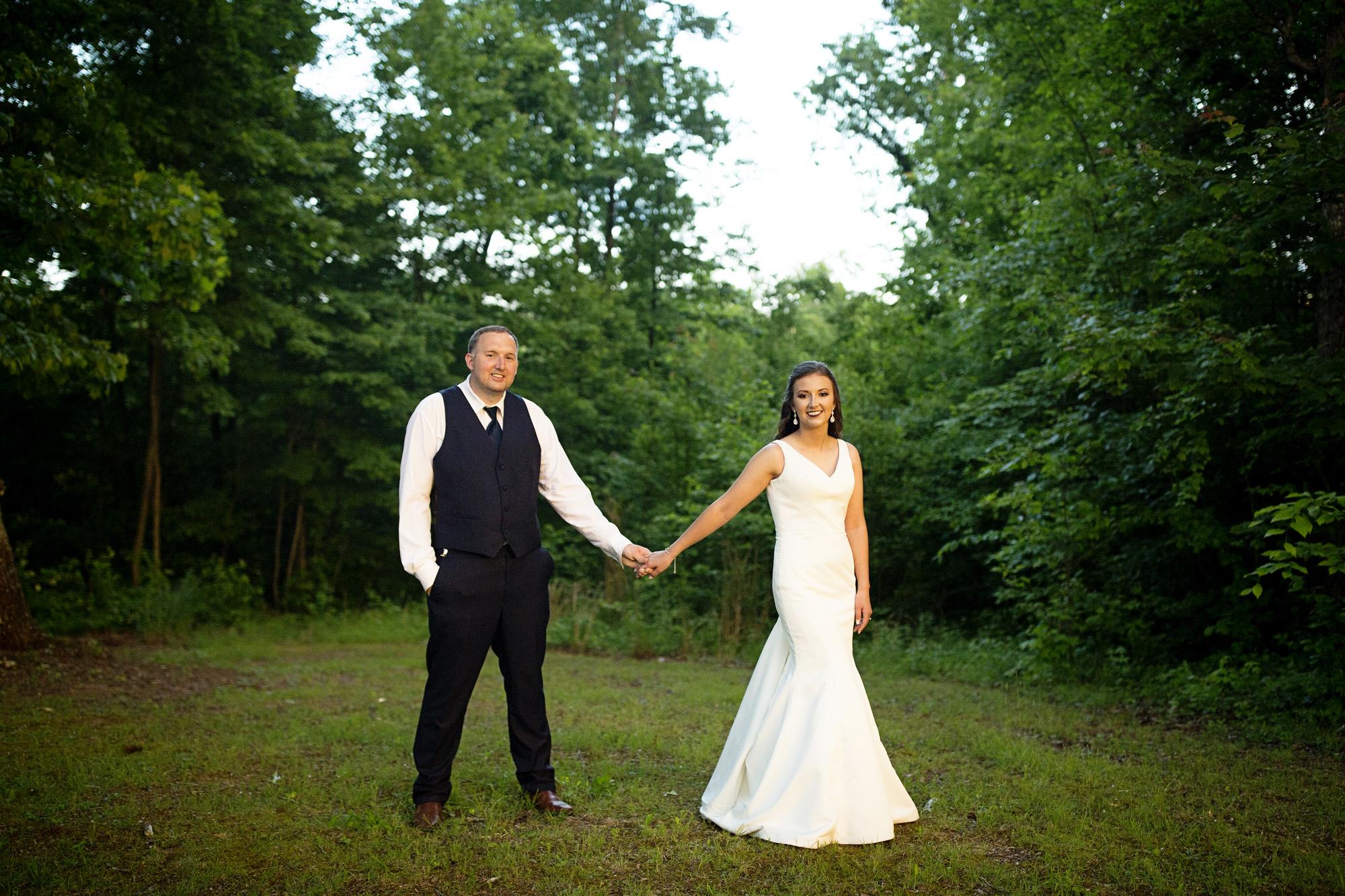 Seriously_Sabrina_Photography_Red_River_Gorge_Wedding_Barn_Robinson132.jpg