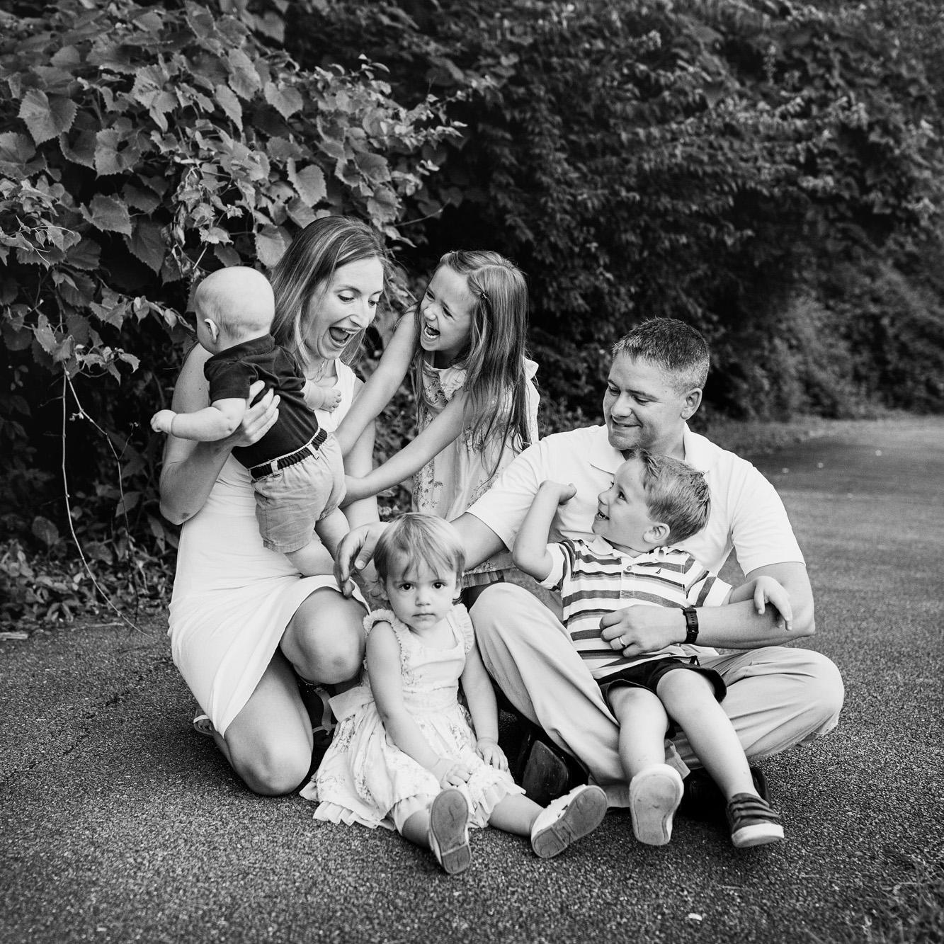 Seriously_Sabrina_Photography_Louisville_Kentucky_Romara_Place_McCartney_Family_Mini_15.jpg
