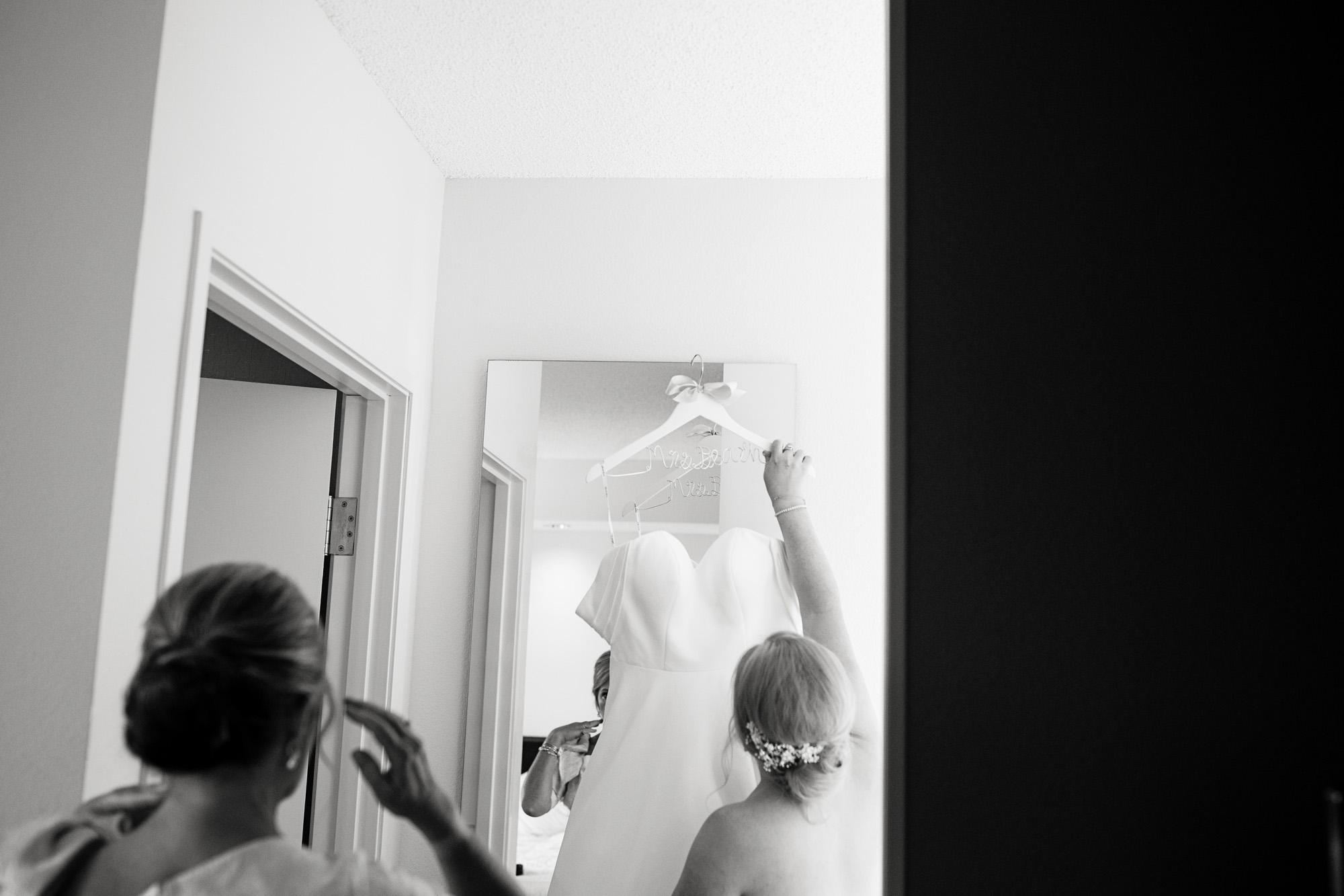 Seriously_Sabrina_Photography_Lexington_Kentucky_Pax_Christi_Round_Barn_Wedding_Beath_21.jpg