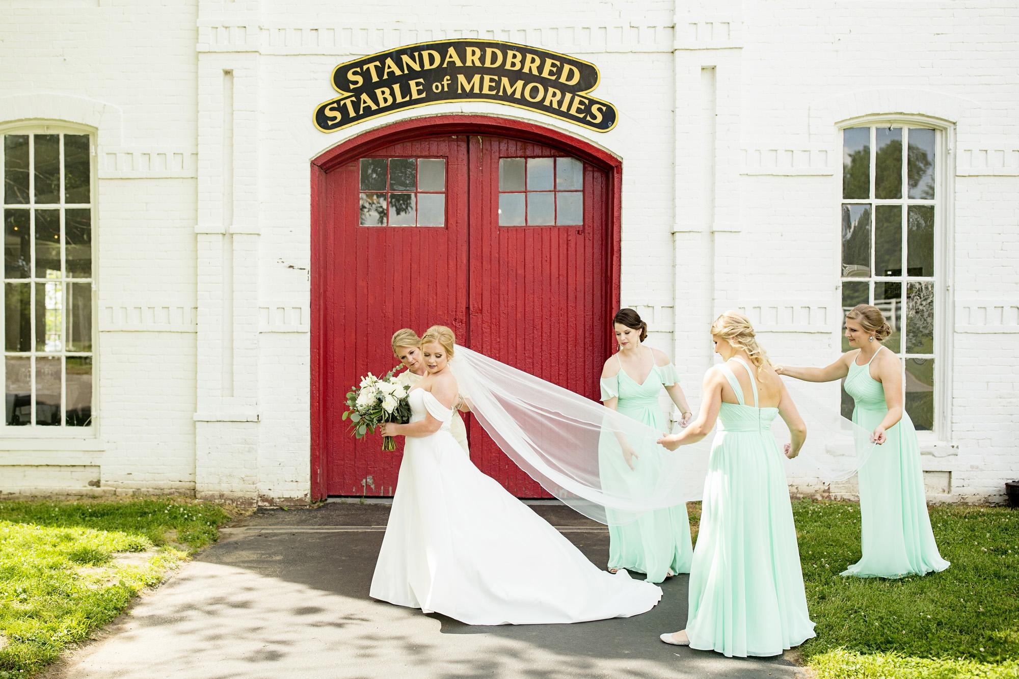 Seriously_Sabrina_Photography_Lexington_Kentucky_Pax_Christi_Round_Barn_Wedding_Beath_24.jpg
