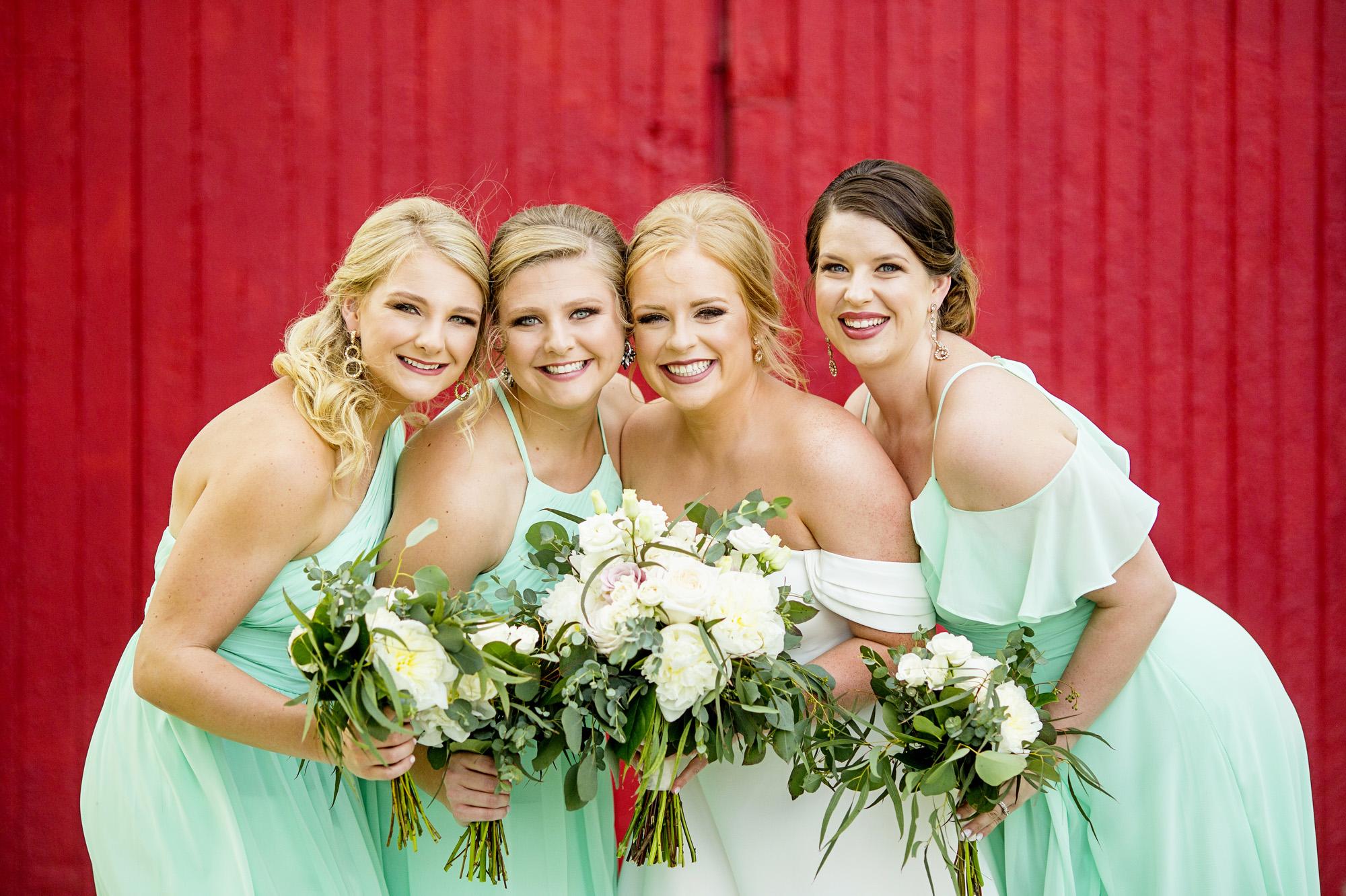 Seriously_Sabrina_Photography_Lexington_Kentucky_Pax_Christi_Round_Barn_Wedding_Beath_28.jpg