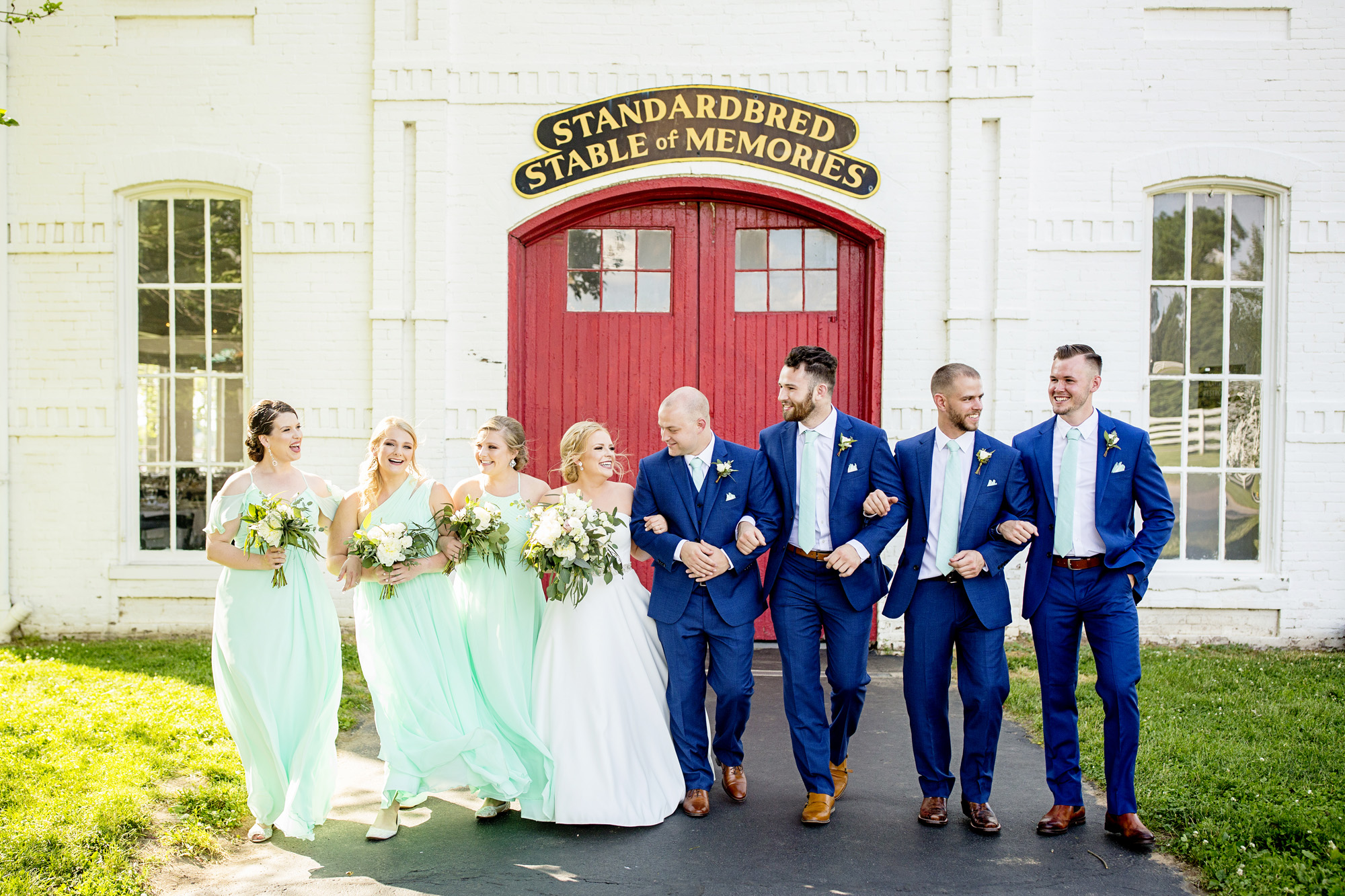 Seriously_Sabrina_Photography_Lexington_Kentucky_Pax_Christi_Round_Barn_Wedding_Beath_43.jpg
