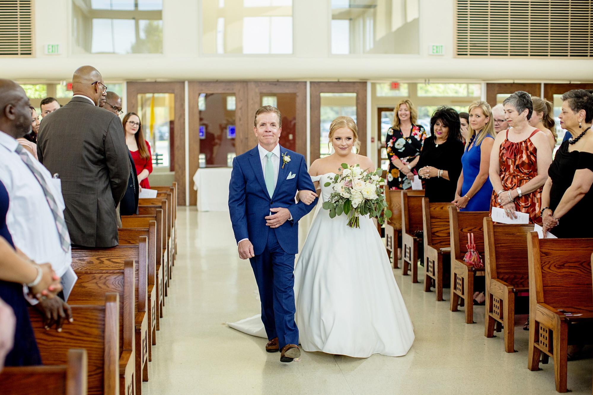 Seriously_Sabrina_Photography_Lexington_Kentucky_Pax_Christi_Round_Barn_Wedding_Beath_54.jpg