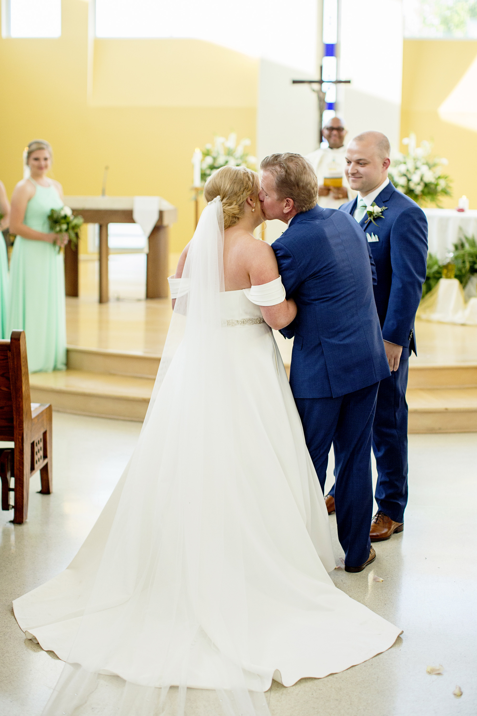 Seriously_Sabrina_Photography_Lexington_Kentucky_Pax_Christi_Round_Barn_Wedding_Beath_55.jpg