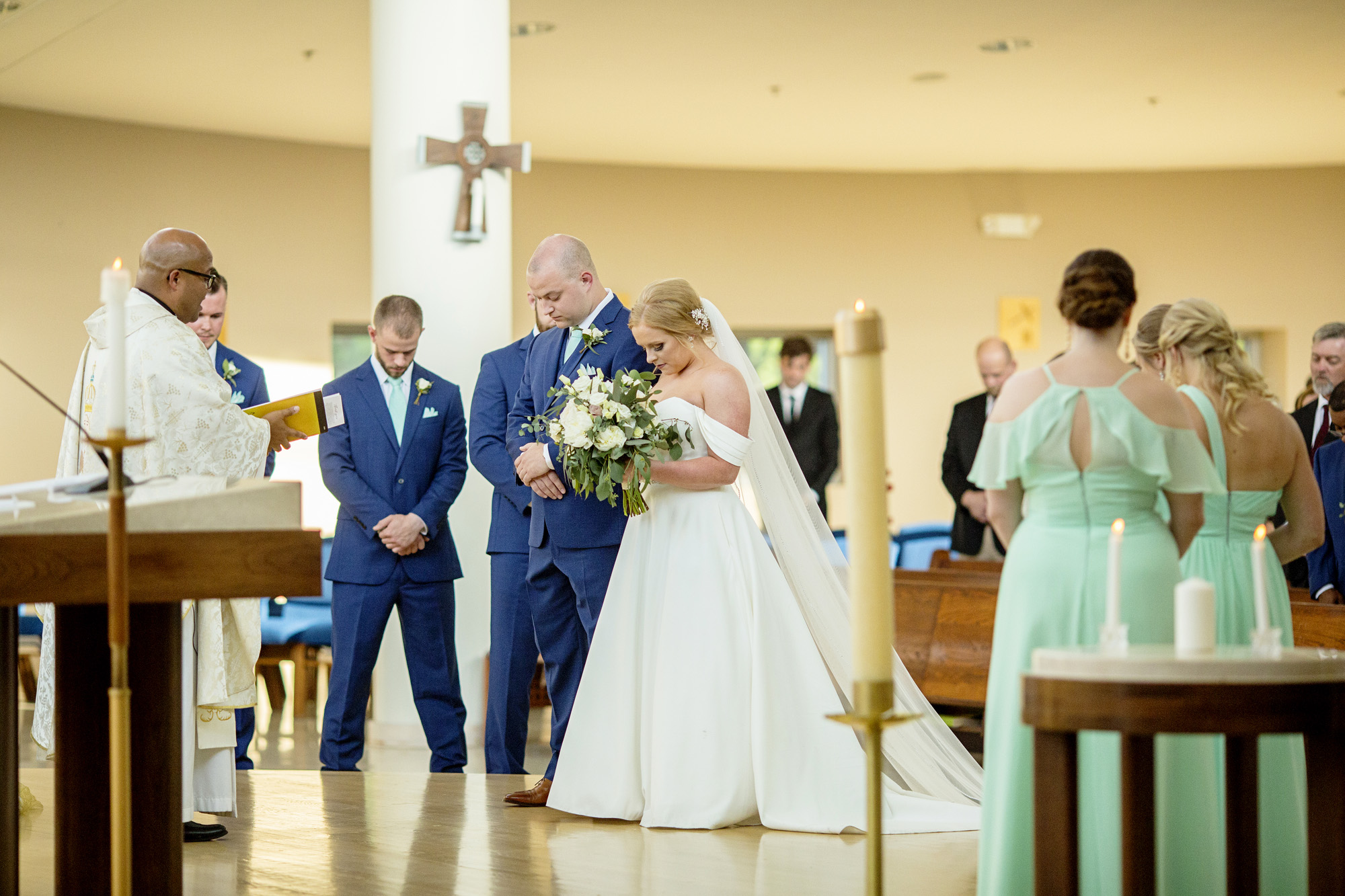 Seriously_Sabrina_Photography_Lexington_Kentucky_Pax_Christi_Round_Barn_Wedding_Beath_56.jpg