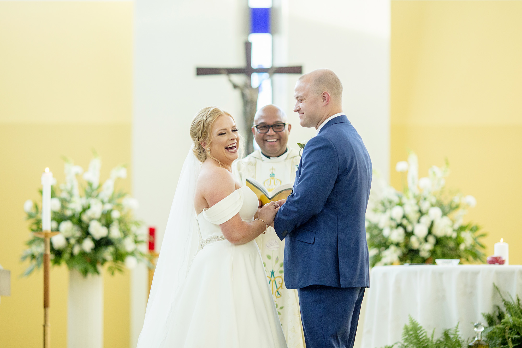 Seriously_Sabrina_Photography_Lexington_Kentucky_Pax_Christi_Round_Barn_Wedding_Beath_61.jpg