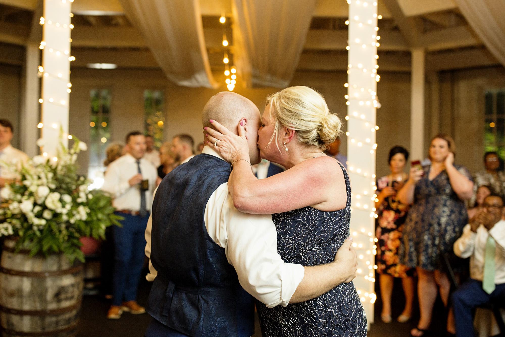 Seriously_Sabrina_Photography_Lexington_Kentucky_Pax_Christi_Round_Barn_Wedding_Beath_113.jpg