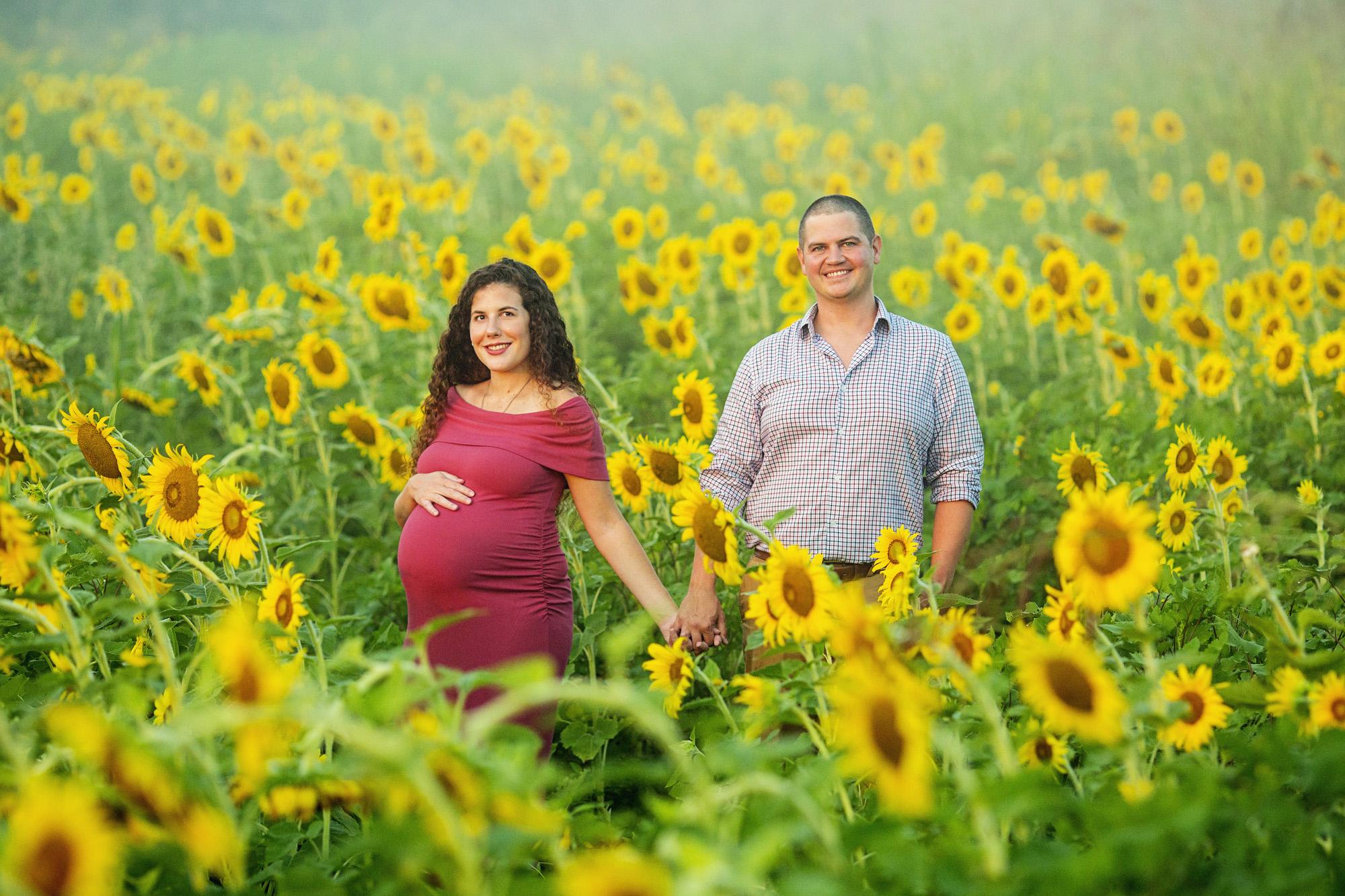 Seriously_Sabrina_Photography_Lexington_Frankfort_Kentucky_Maternity_Mini_Sunflowers_Johns1.jpg