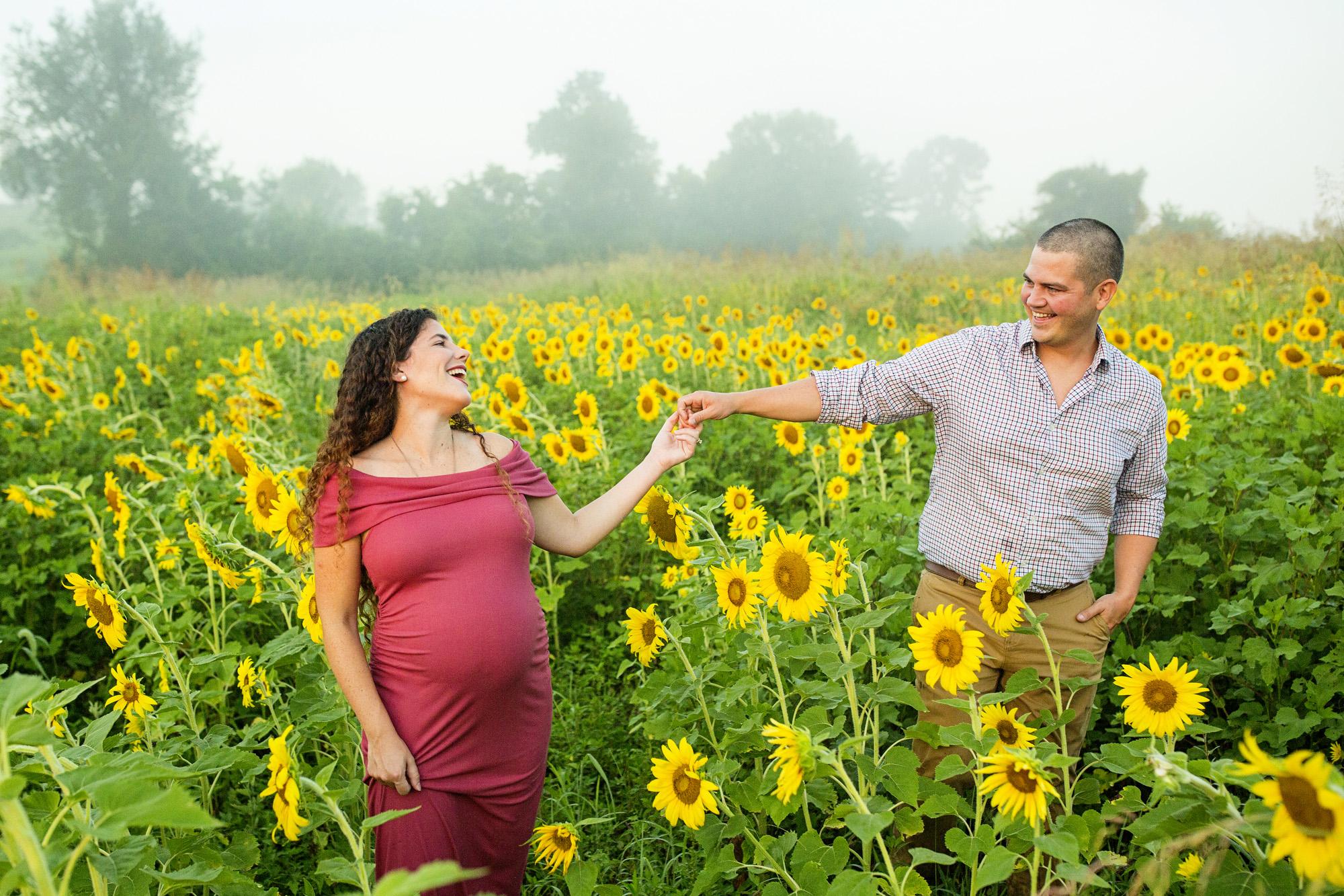 Seriously_Sabrina_Photography_Lexington_Frankfort_Kentucky_Maternity_Mini_Sunflowers_Johns14.jpg