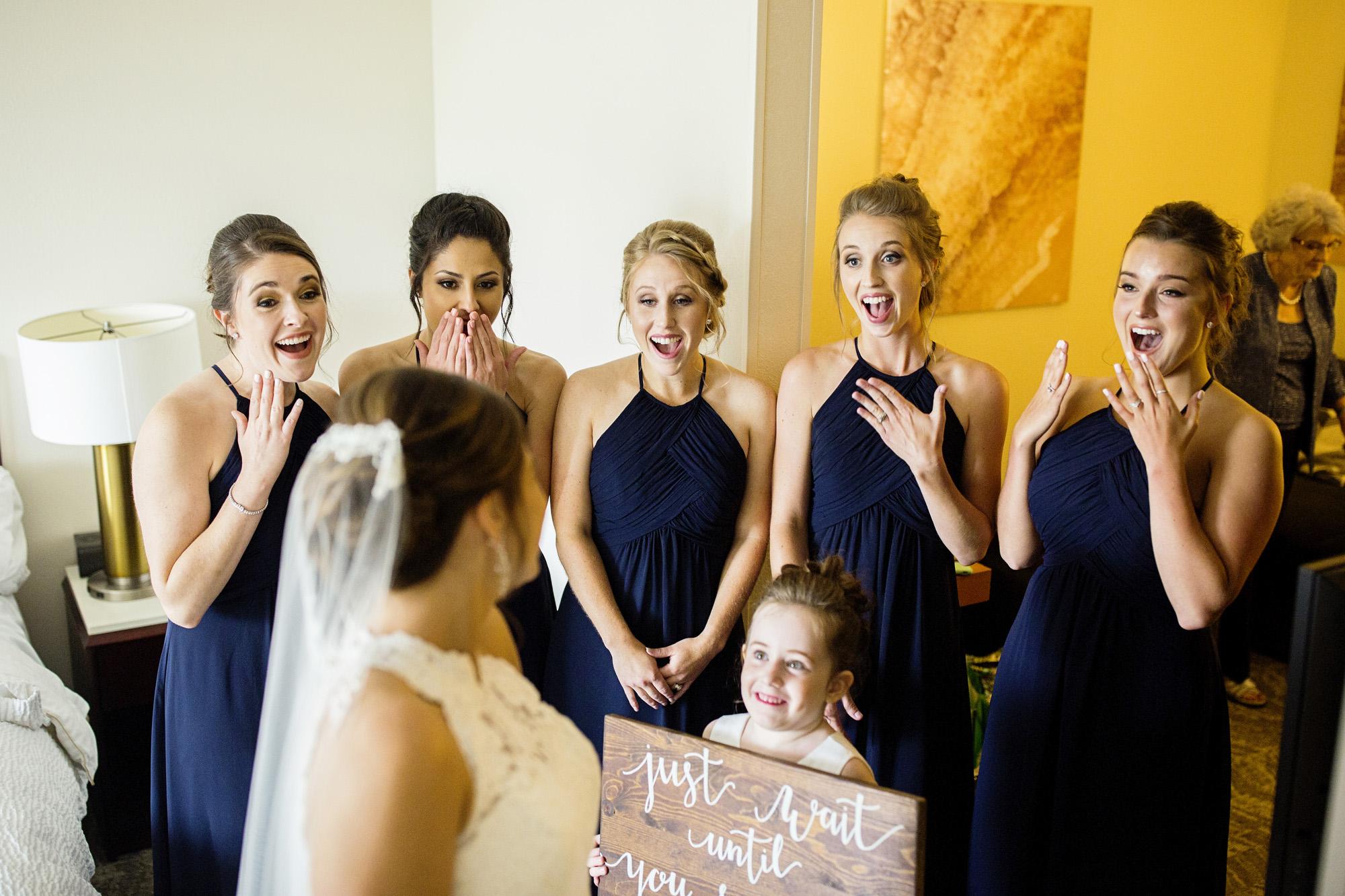 Seriously_Sabrina_Photography_Lexington_Kentucky_Round_Barn_Red_Mile_Stable_of_Memories_Wedding_Hart_24.jpg