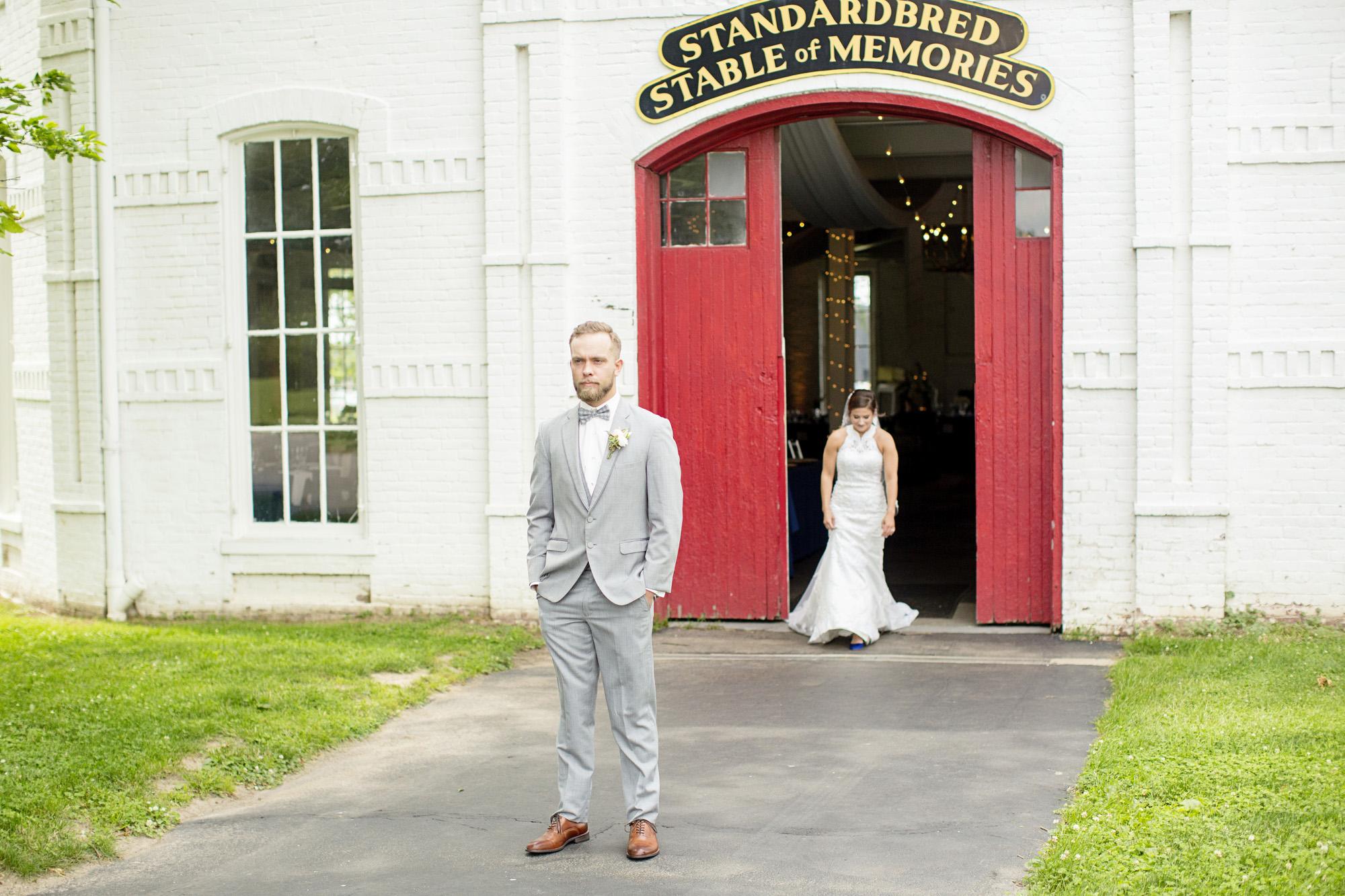Seriously_Sabrina_Photography_Lexington_Kentucky_Round_Barn_Red_Mile_Stable_of_Memories_Wedding_Hart_36.jpg
