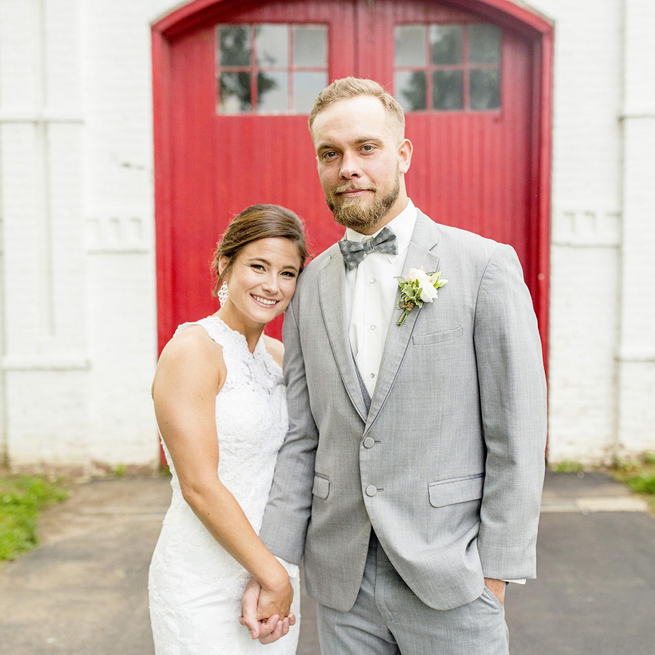 Seriously_Sabrina_Photography_Lexington_Kentucky_Round_Barn_Red_Mile_Stable_of_Memories_Wedding_Hart_40.jpg