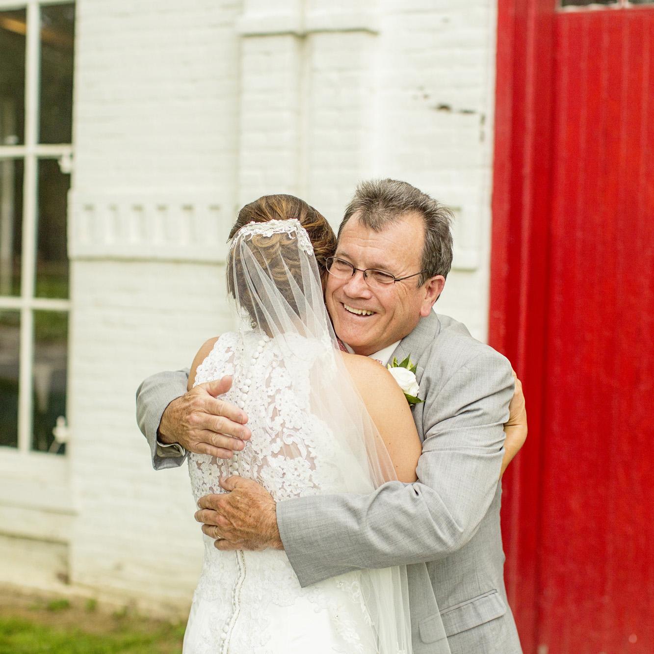 Seriously_Sabrina_Photography_Lexington_Kentucky_Round_Barn_Red_Mile_Stable_of_Memories_Wedding_Hart_44.jpg