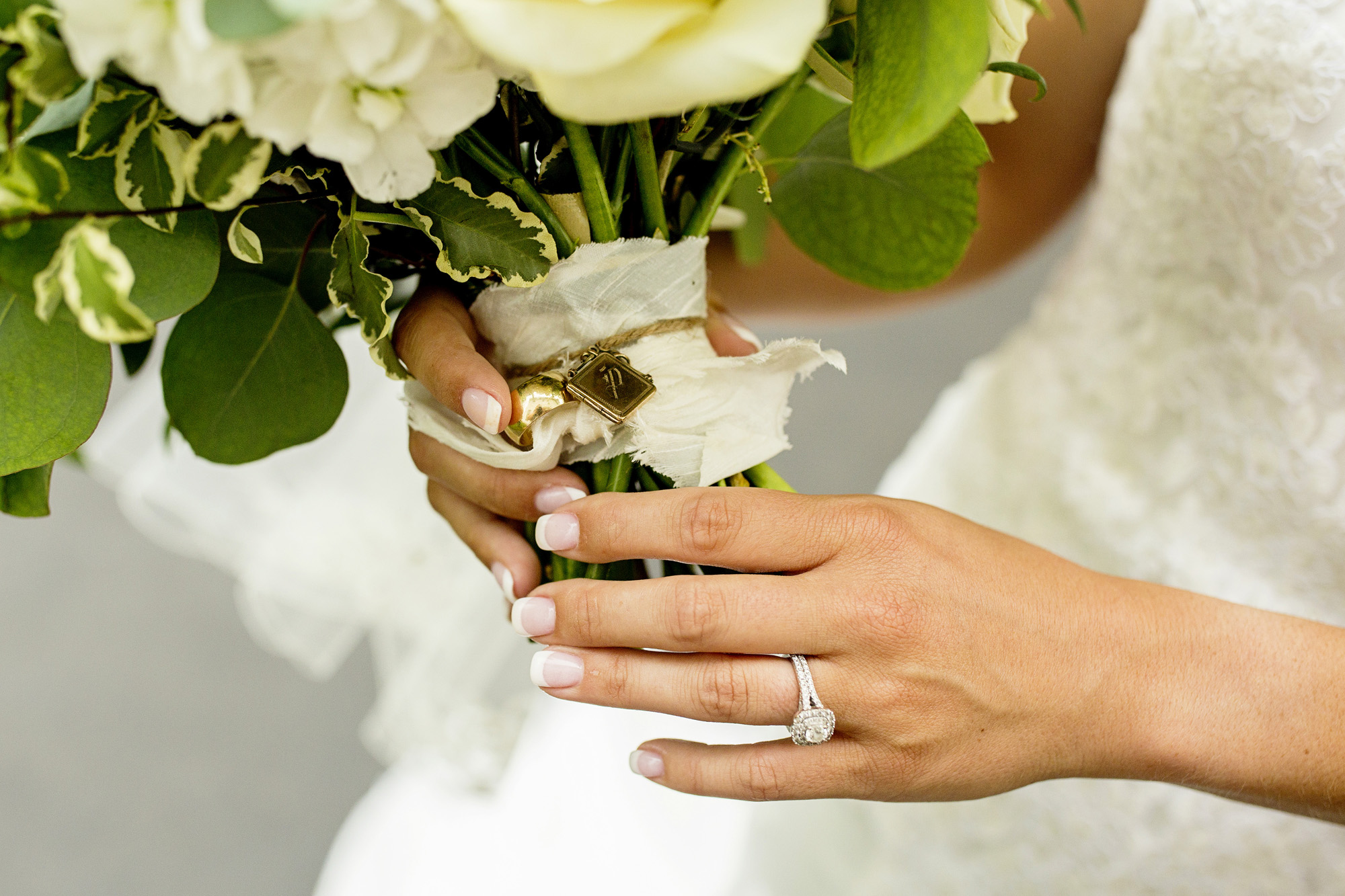 Seriously_Sabrina_Photography_Lexington_Kentucky_Round_Barn_Red_Mile_Stable_of_Memories_Wedding_Hart_46.jpg