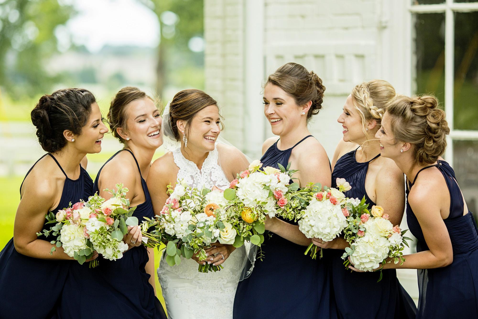Seriously_Sabrina_Photography_Lexington_Kentucky_Round_Barn_Red_Mile_Stable_of_Memories_Wedding_Hart_48.jpg