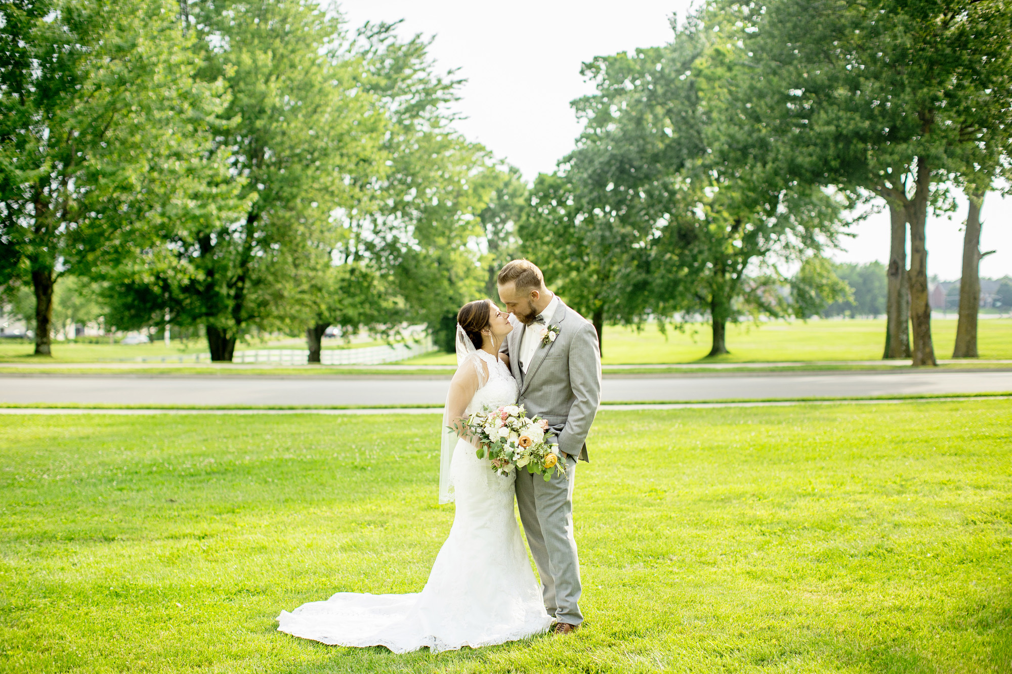 Seriously_Sabrina_Photography_Lexington_Kentucky_Round_Barn_Red_Mile_Stable_of_Memories_Wedding_Hart_83.jpg