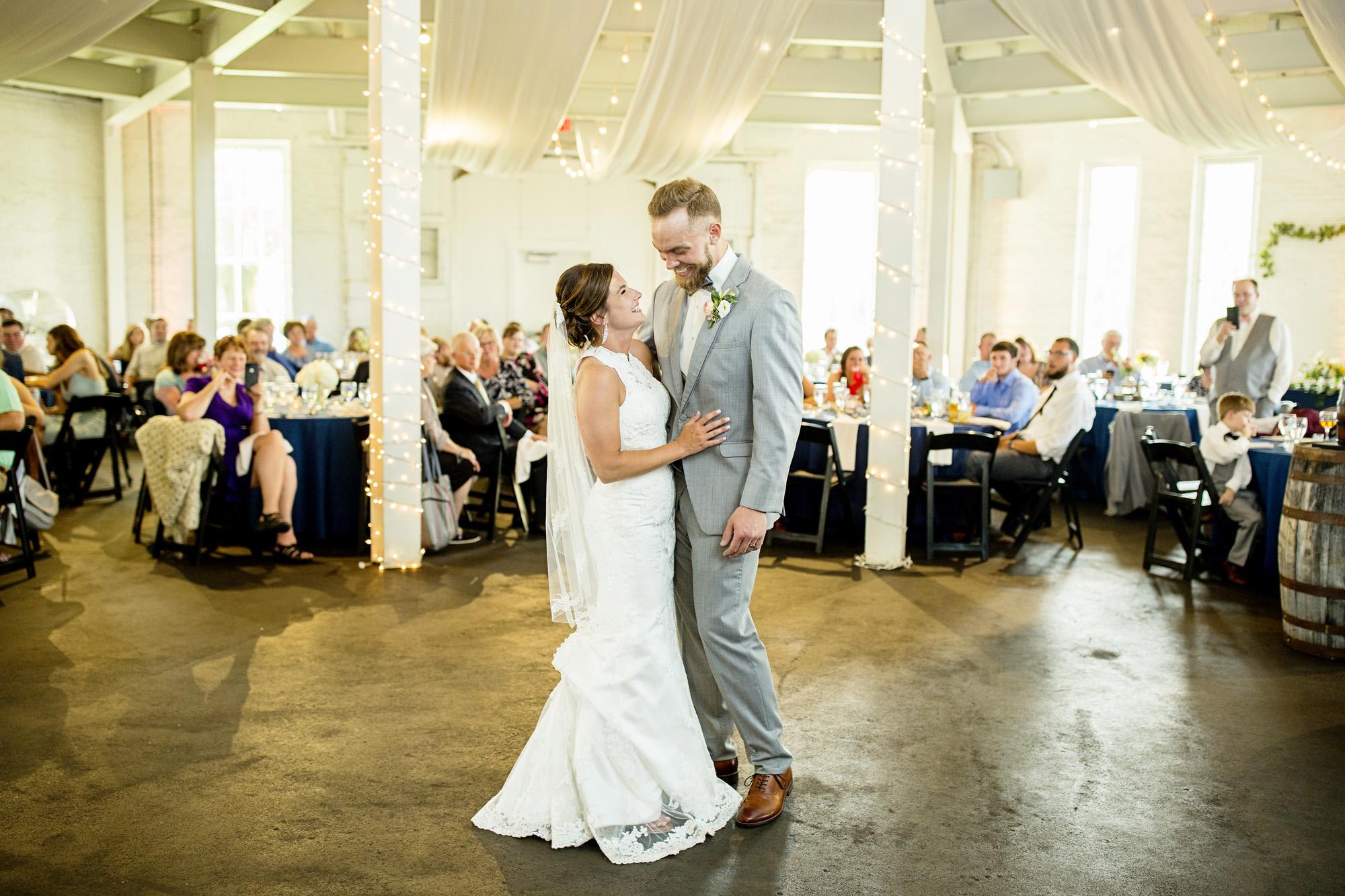 Seriously_Sabrina_Photography_Lexington_Kentucky_Round_Barn_Red_Mile_Stable_of_Memories_Wedding_Hart_95.jpg
