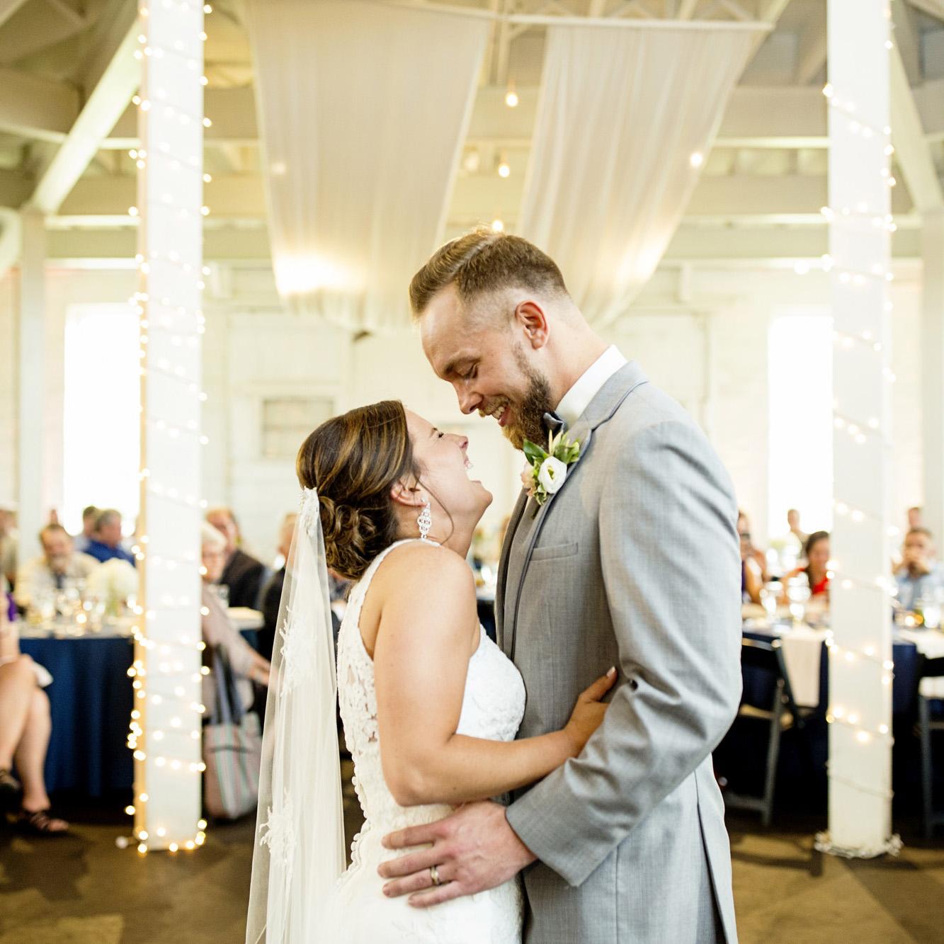 Seriously_Sabrina_Photography_Lexington_Kentucky_Round_Barn_Red_Mile_Stable_of_Memories_Wedding_Hart_96.jpg