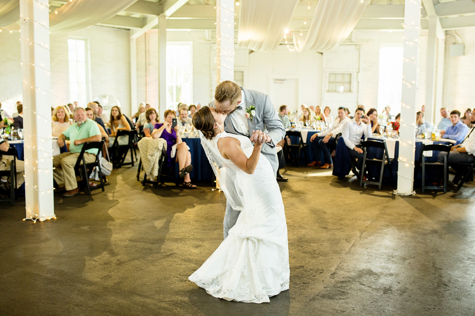 Seriously_Sabrina_Photography_Lexington_Kentucky_Round_Barn_Red_Mile_Stable_of_Memories_Wedding_Hart_99.jpg