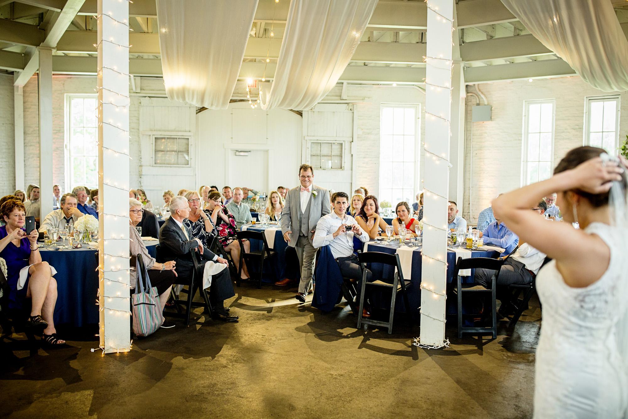 Seriously_Sabrina_Photography_Lexington_Kentucky_Round_Barn_Red_Mile_Stable_of_Memories_Wedding_Hart_100.jpg
