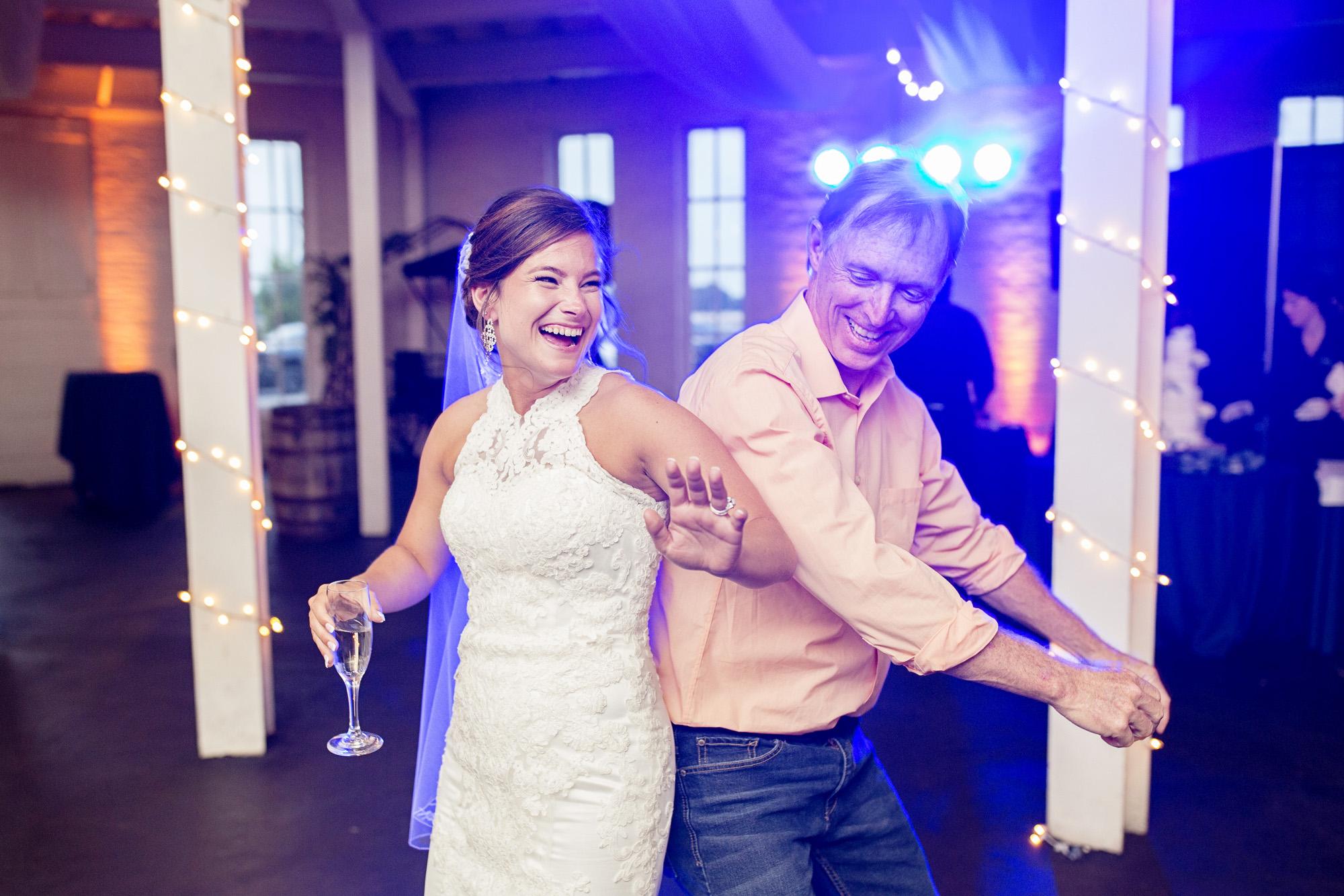 Seriously_Sabrina_Photography_Lexington_Kentucky_Round_Barn_Red_Mile_Stable_of_Memories_Wedding_Hart_116.jpg