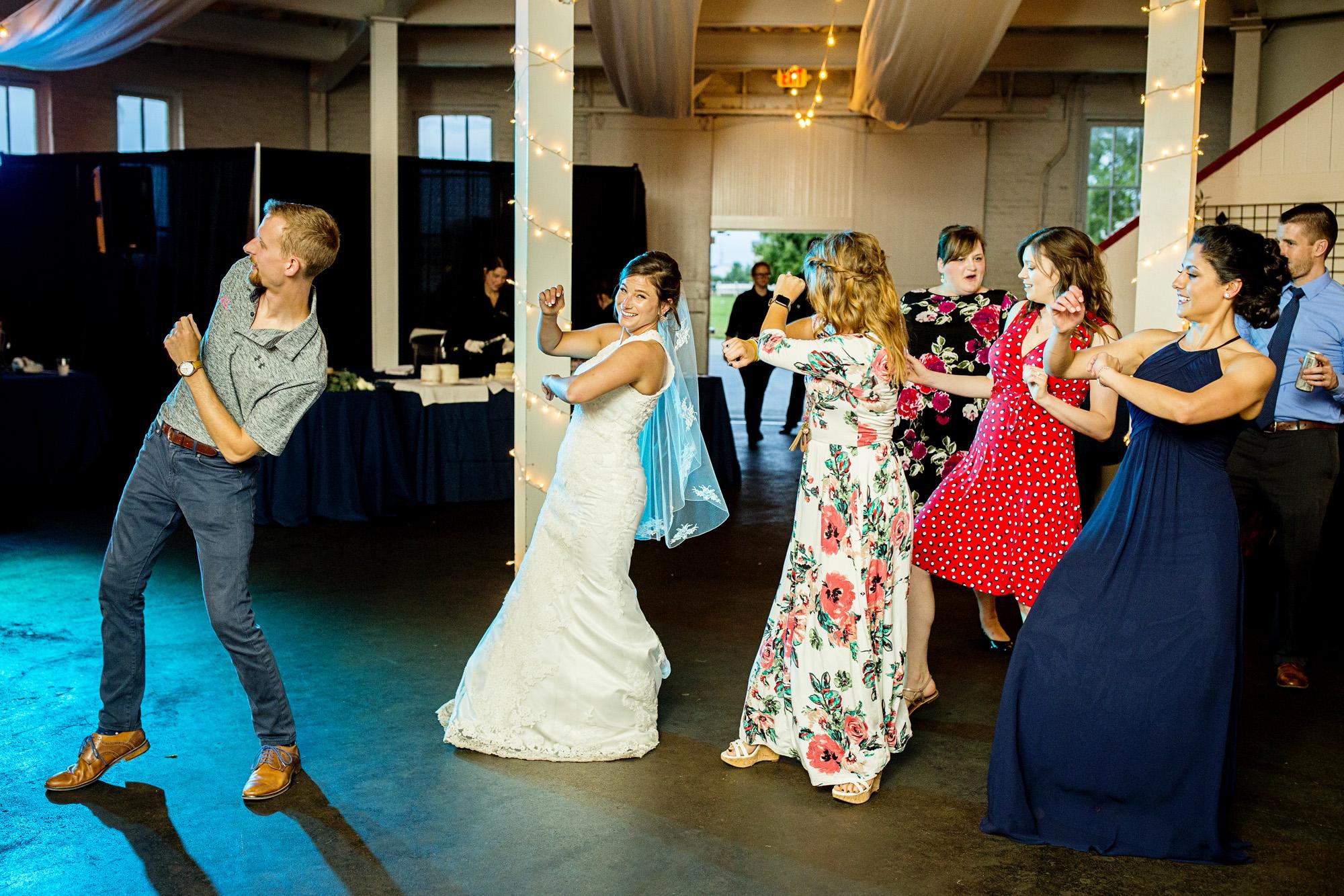 Seriously_Sabrina_Photography_Lexington_Kentucky_Round_Barn_Red_Mile_Stable_of_Memories_Wedding_Hart_118.jpg