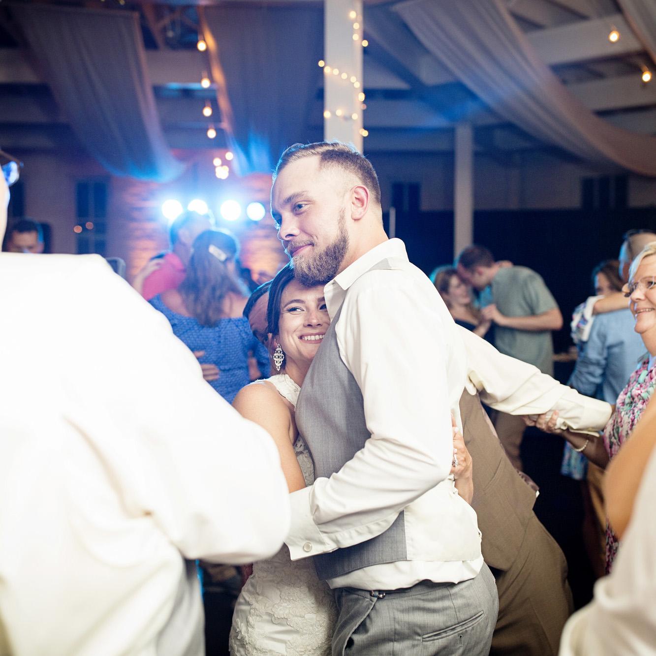 Seriously_Sabrina_Photography_Lexington_Kentucky_Round_Barn_Red_Mile_Stable_of_Memories_Wedding_Hart_132.jpg