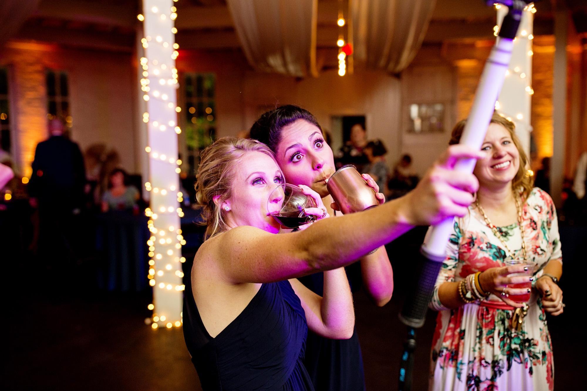 Seriously_Sabrina_Photography_Lexington_Kentucky_Round_Barn_Red_Mile_Stable_of_Memories_Wedding_Hart_131.jpg