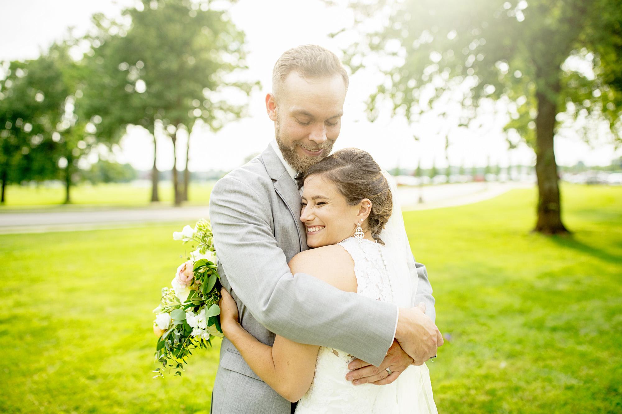 Seriously_Sabrina_Photography_Lexington_Kentucky_Round_Barn_Red_Mile_Stable_of_Memories_Wedding_Hart_1.jpg