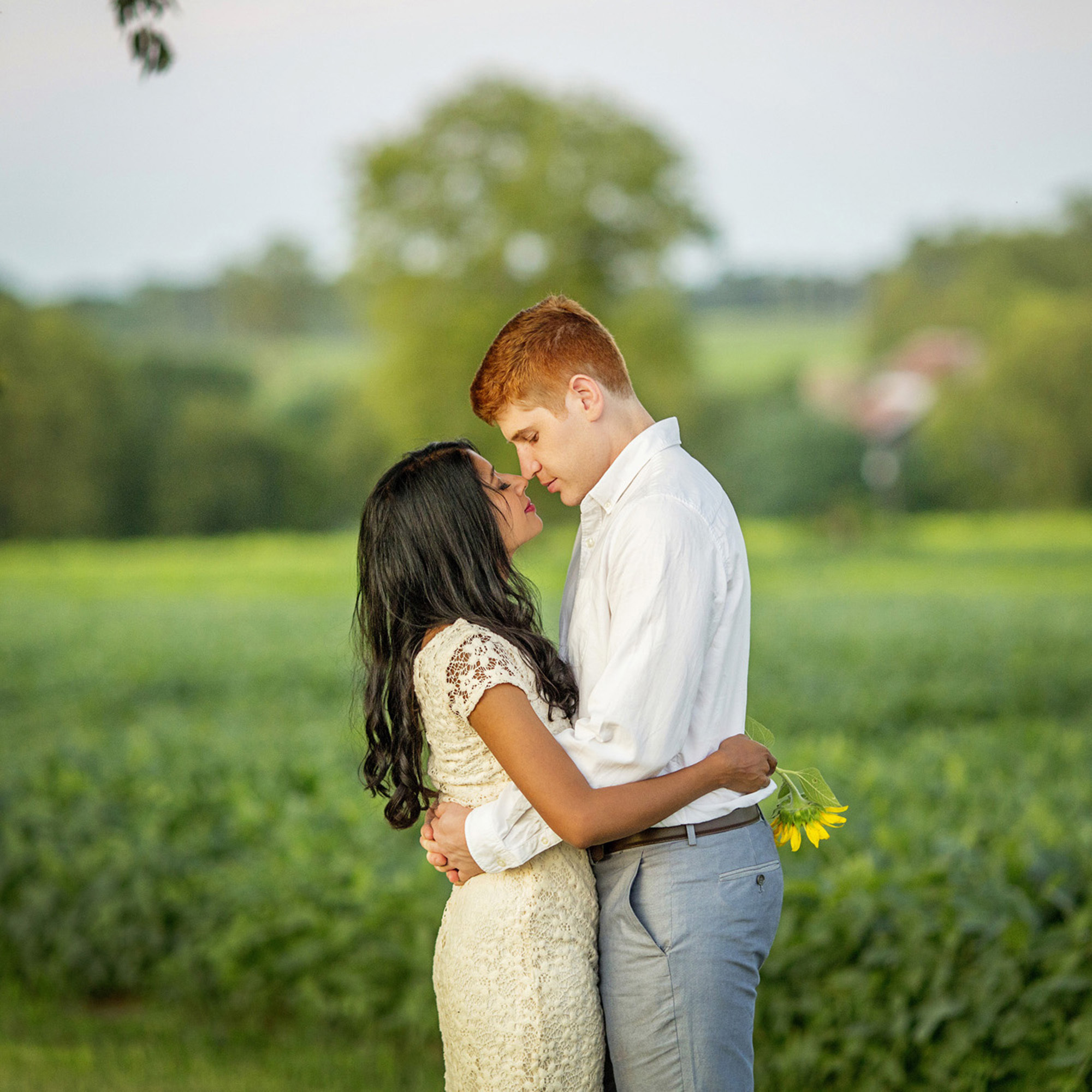 Seriously_Sabrina_Photography_Lexington_Midway_Kentucky_Engagement_Merefield_Sunflowers_Naz_and_Drew26.jpg