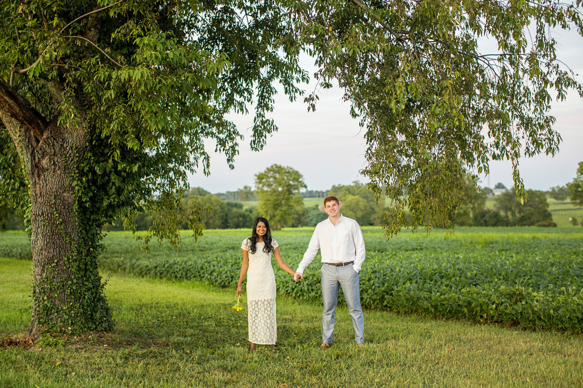 Seriously_Sabrina_Photography_Lexington_Midway_Kentucky_Engagement_Merefield_Sunflowers_Naz_and_Drew25.jpg