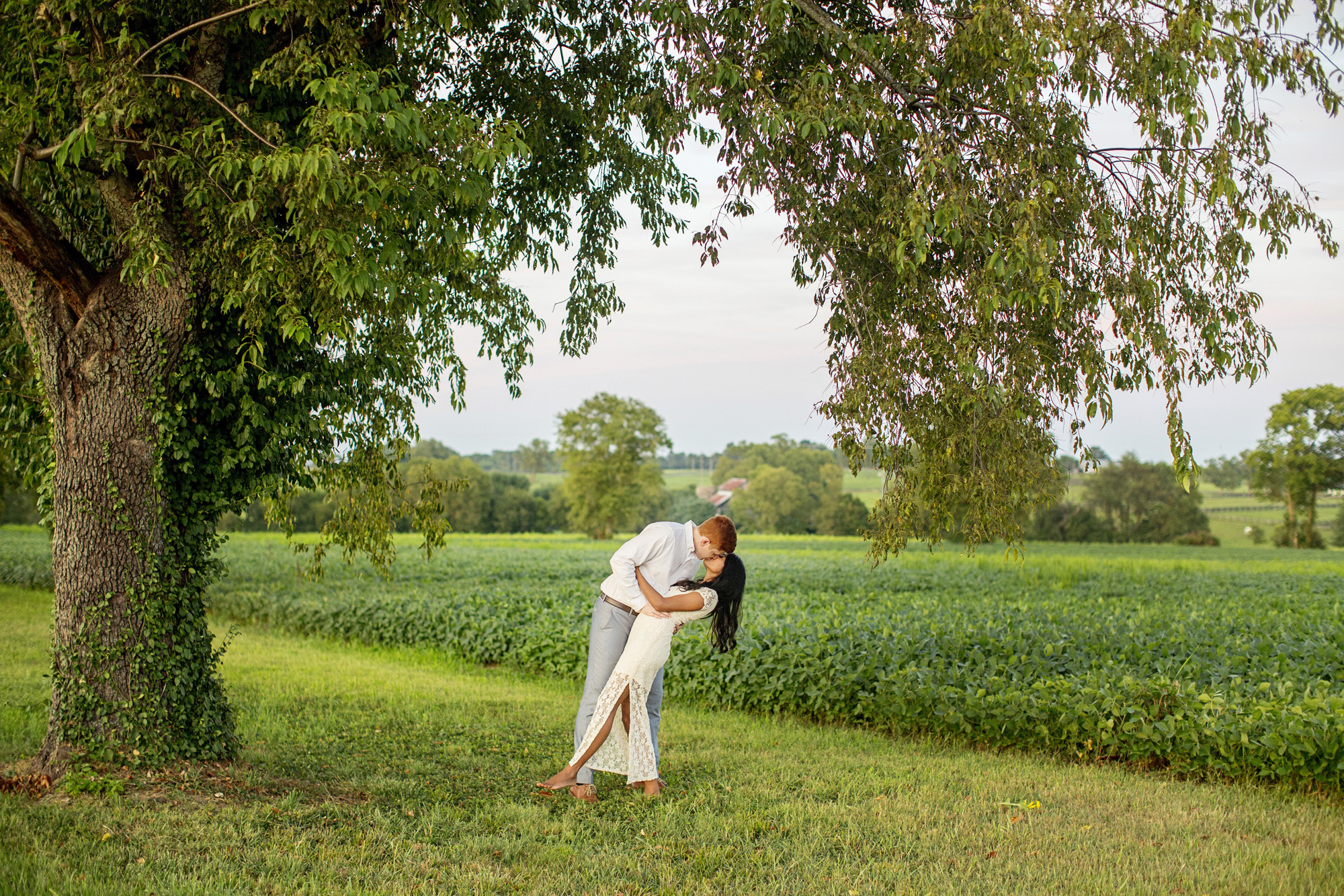 Seriously_Sabrina_Photography_Lexington_Midway_Kentucky_Engagement_Merefield_Sunflowers_Naz_and_Drew30.jpg