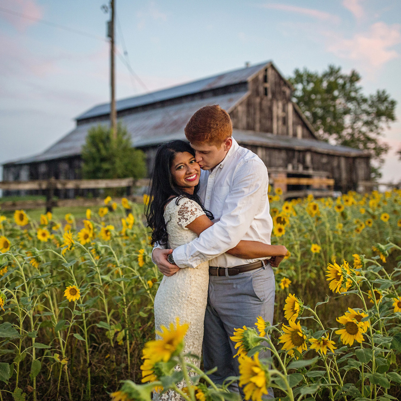 Seriously_Sabrina_Photography_Lexington_Midway_Kentucky_Engagement_Merefield_Sunflowers_Naz_and_Drew35.jpg