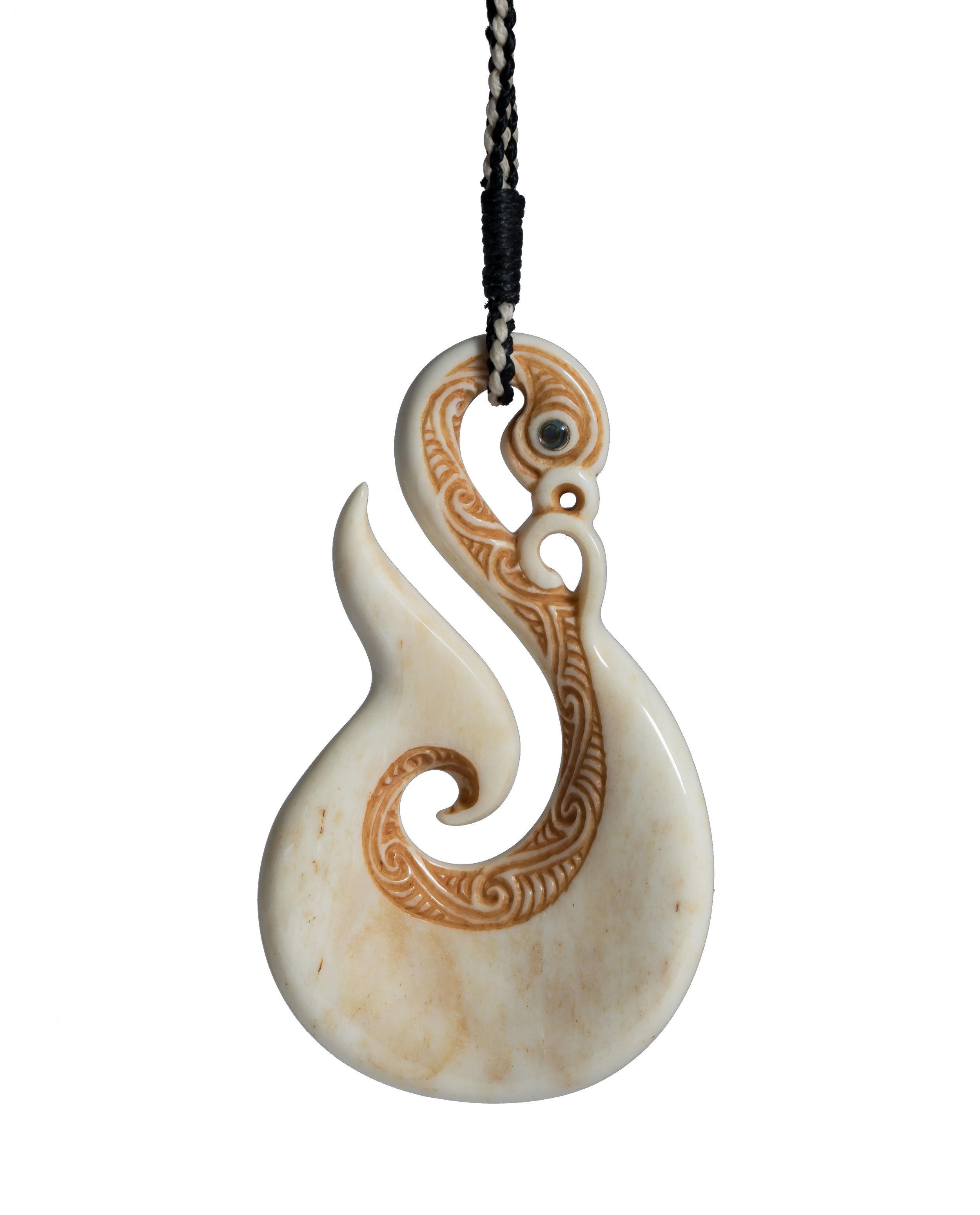 Manaia-Hook---Aho---(Shine)---back.jpg