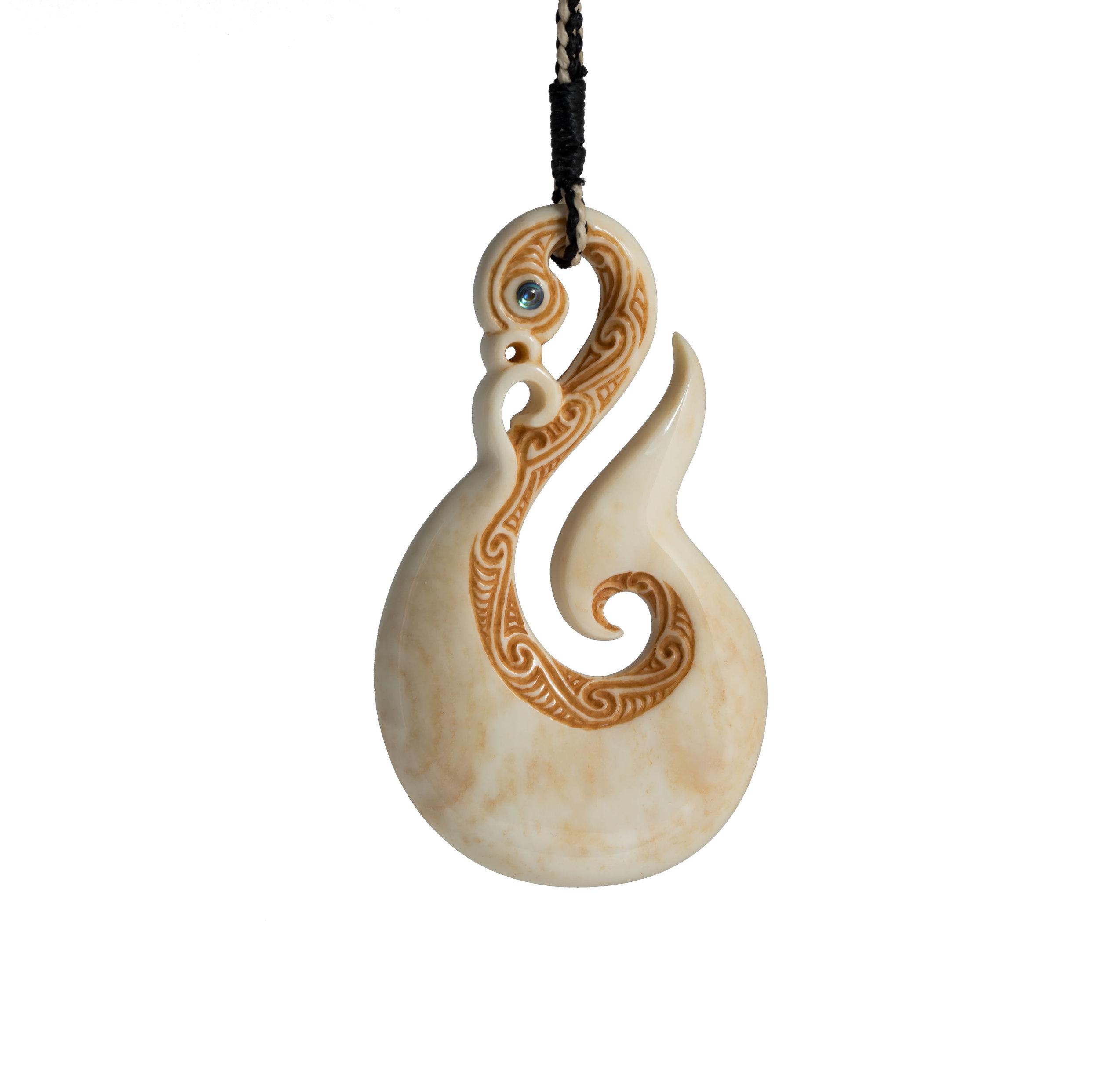 Manaia-Hook---Aho---(Shine).jpg