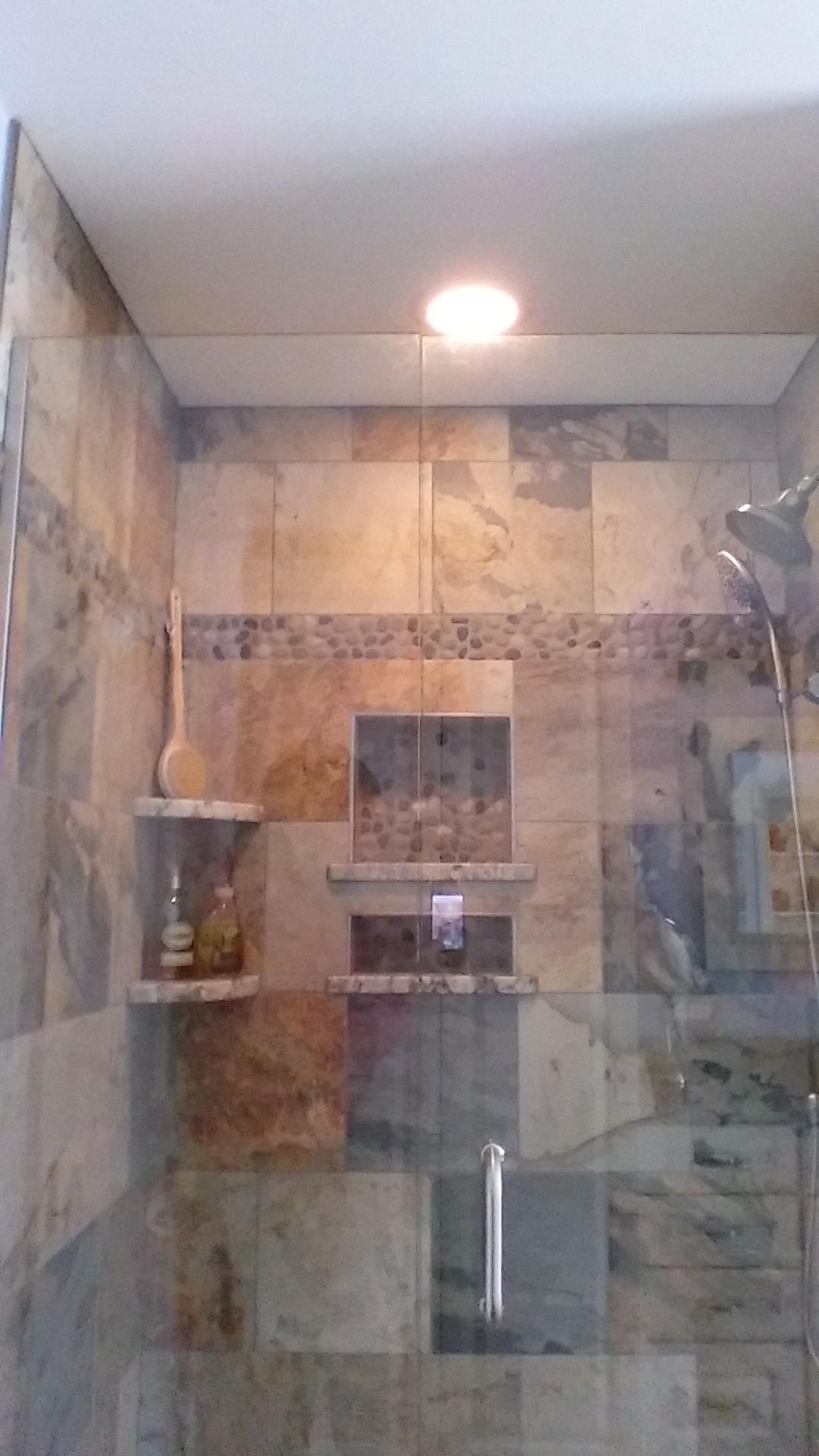 west b bathroom 4.JPG