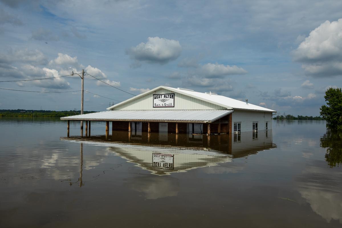 97_JennaCarliePhotography_June 5, 2019_West Alton Flood_Bar and Grill flooded.jpg
