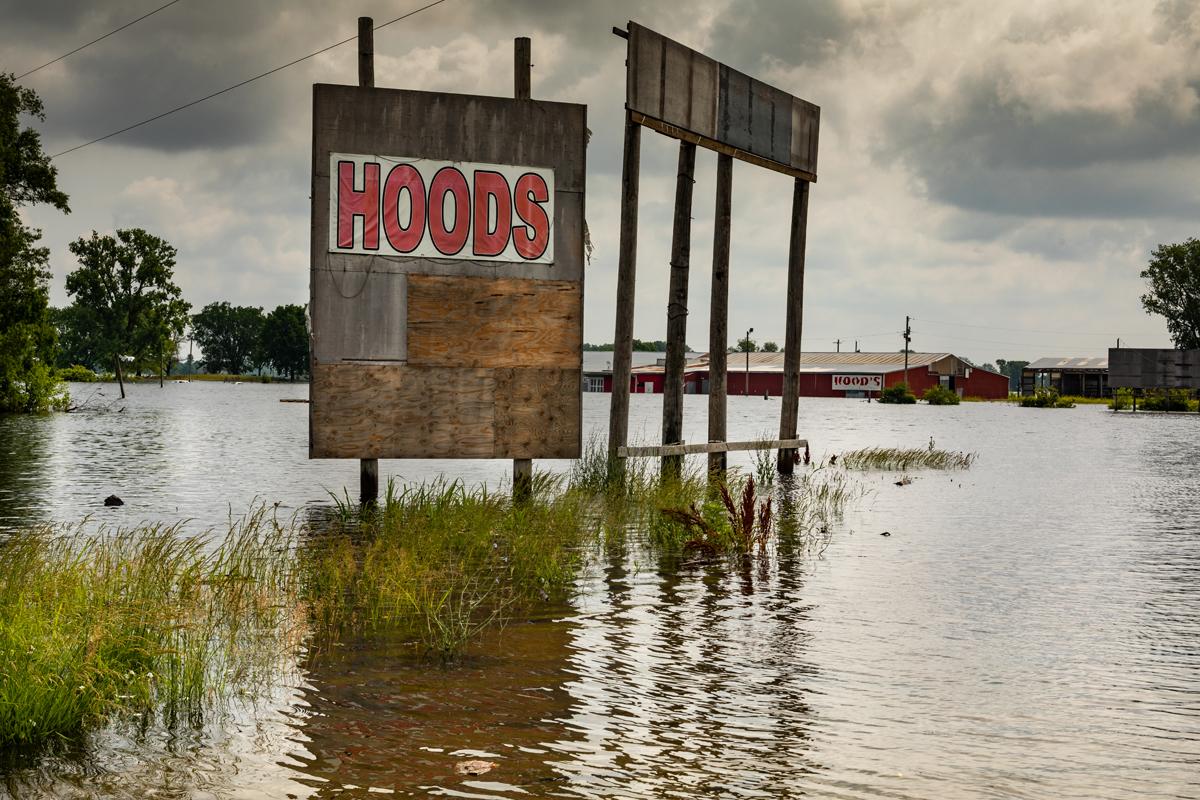 24C_JennaCarliePhotography_June 1, 2019_West alton Flood_Hoods and Signs.jpg