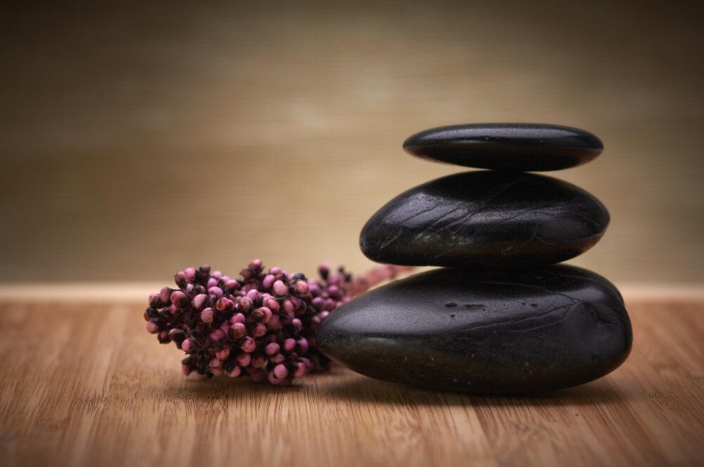 hotstone-massage-The+Wellness+Nook.jpg