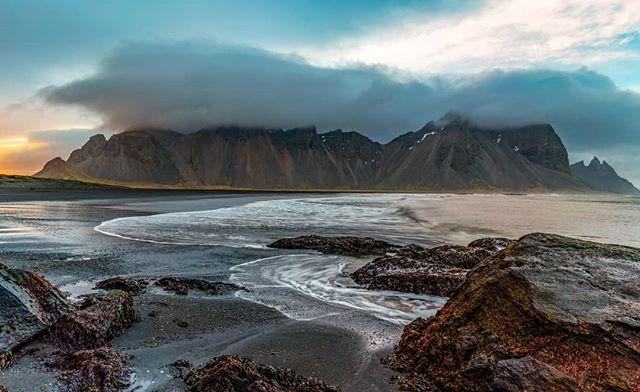 Vestrahorn Mountain. . . . #vestrahorn #stokksnes #sunset #iceland #visiticeland #landscape_hunter #landscape_captures #discoverearth #exploretocreate #keepexploring #sonyalpha