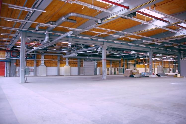 Toimitilanne Suomi, Nurmijärvi - Klaukkala, Lahnuksentie 215. Tuotanto- tai varastotila 2376 m².