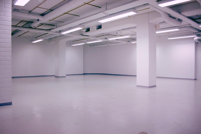 Toimitilanne Suomi, Helsinki - Lauttasaari, Itälahdenkatu 23. Toimisto- ja varastotila 218 m²