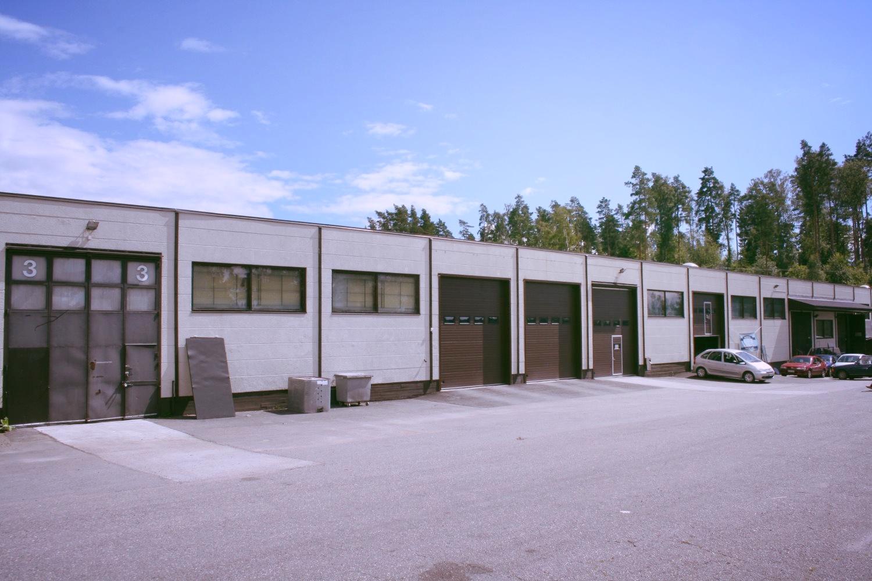 Toimitilanne Suomi, Vantaa - Luhtaanmäki, Luhtaanmäentie 69. Varasto- tai tuotantotila 560 m².