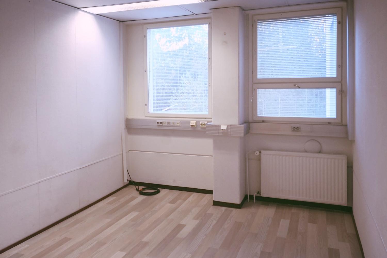Toimitilanne Suomi, Nurmijärvi - Klaukkala, Lahnuksentie 215. Toimistohuone 16 m².